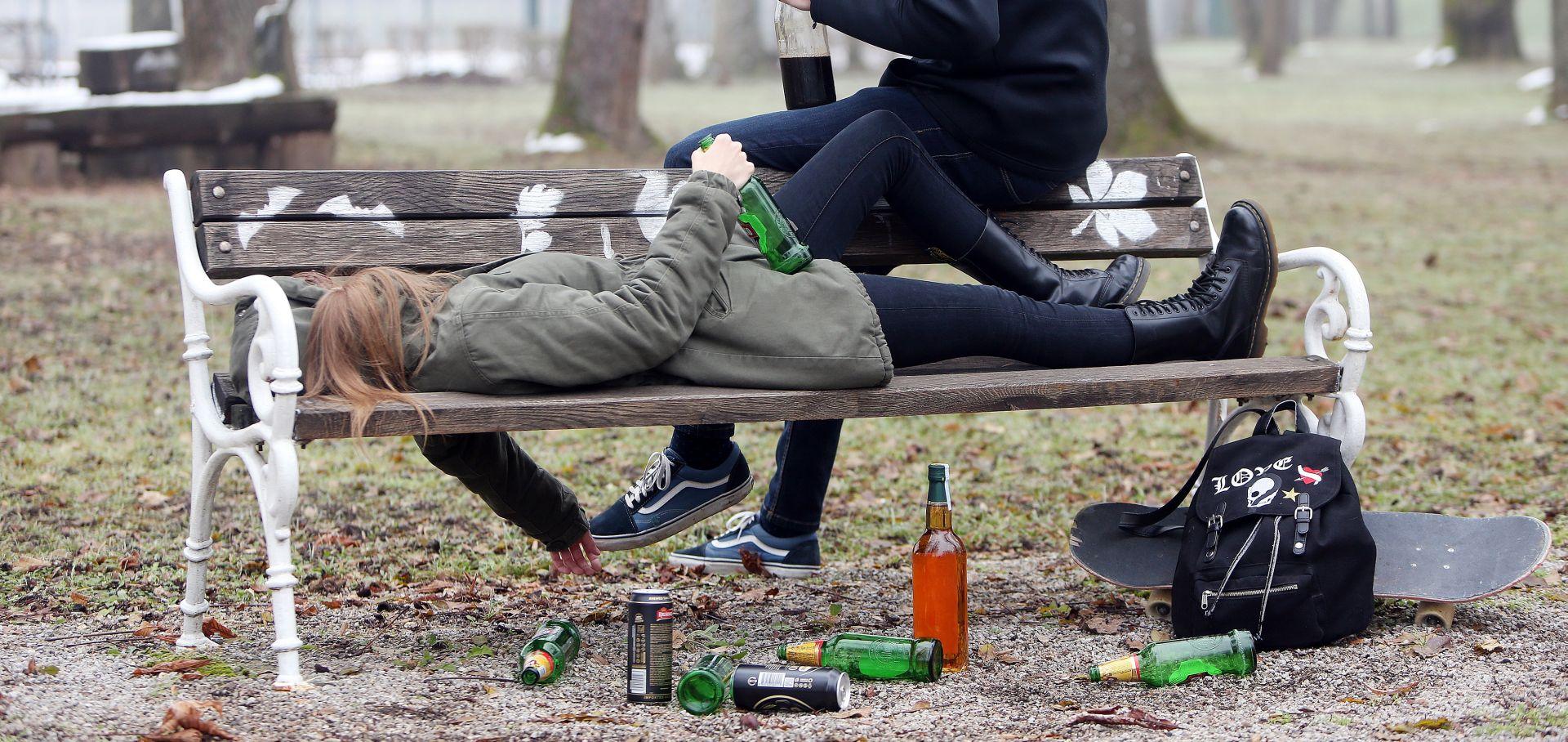 U Hrvatskoj 50 tisuća alkoholičarki