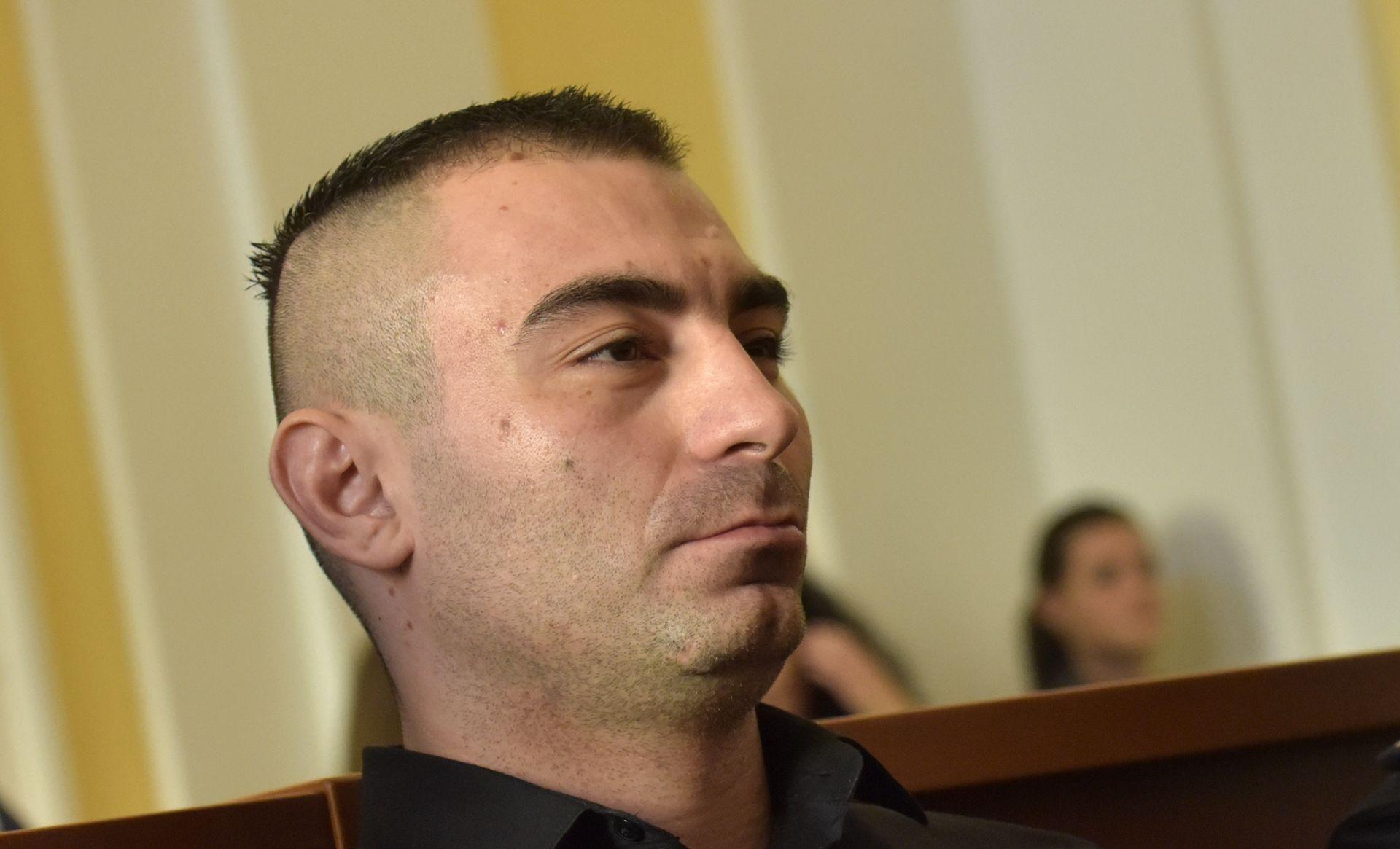 DEMOLIRAO CURU Darko Kovačević Daruvarac pušen na slobodu