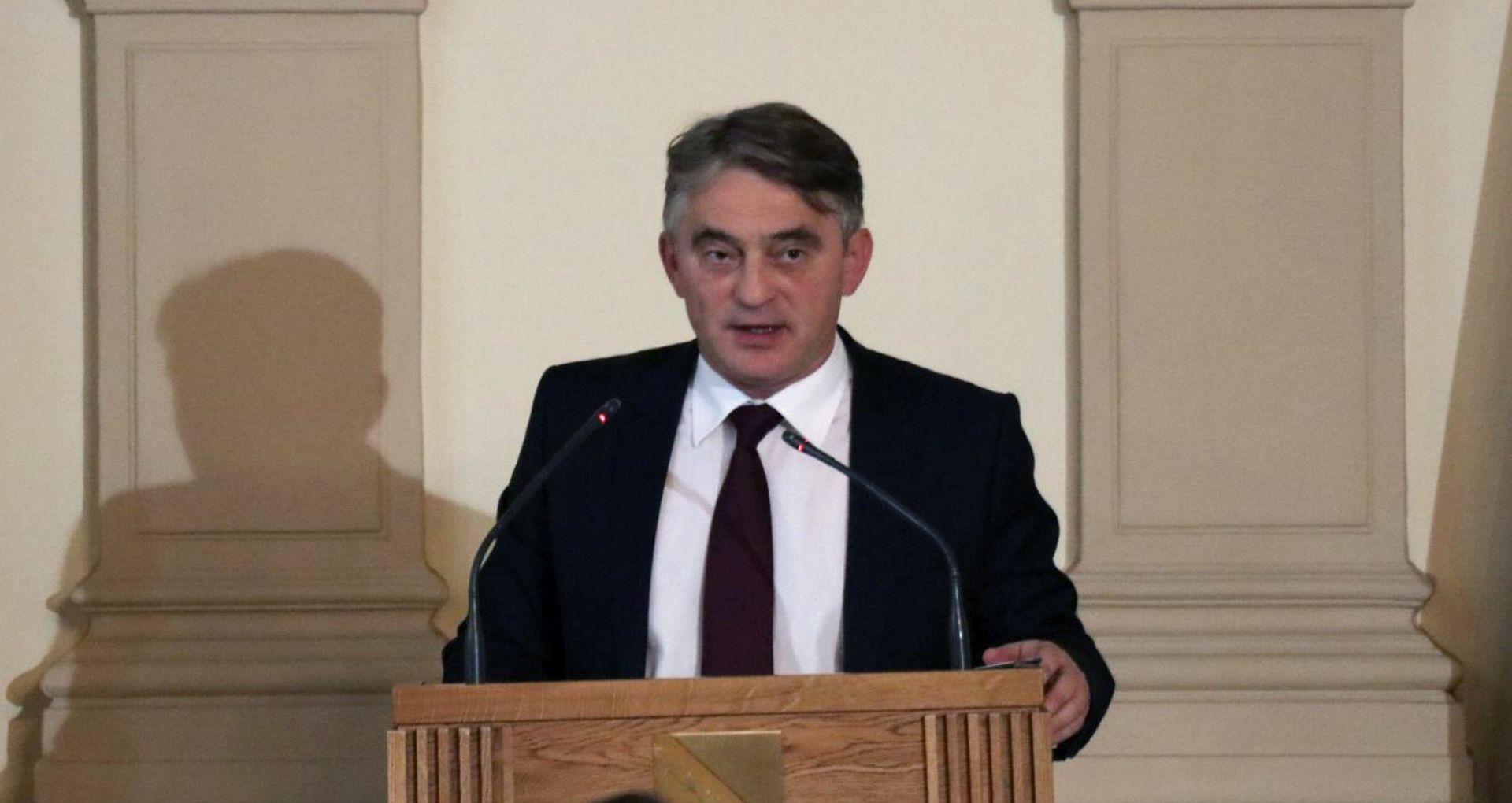 """""""#SejdoKomsic nije naš predsjednik, on je nelegitiman i nelegalan…"""""""