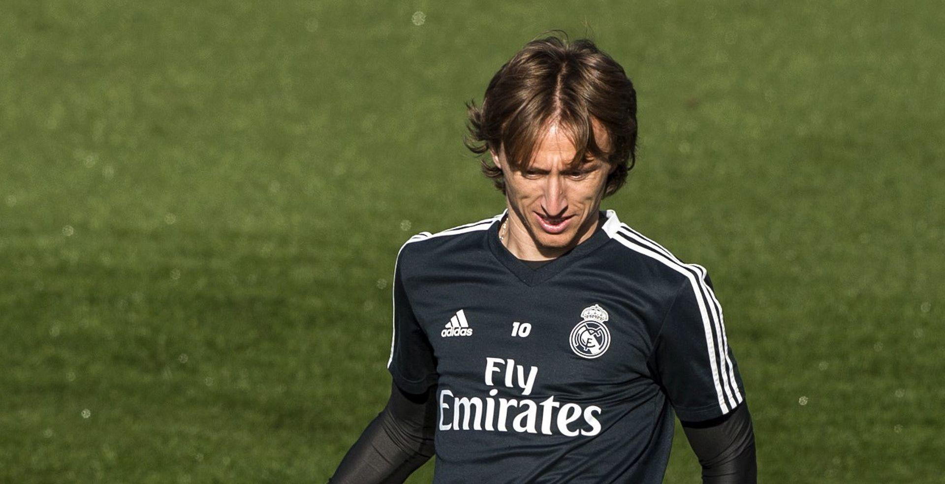 VIDEO Tifosi Real Madrida pjevali Luki Modriću