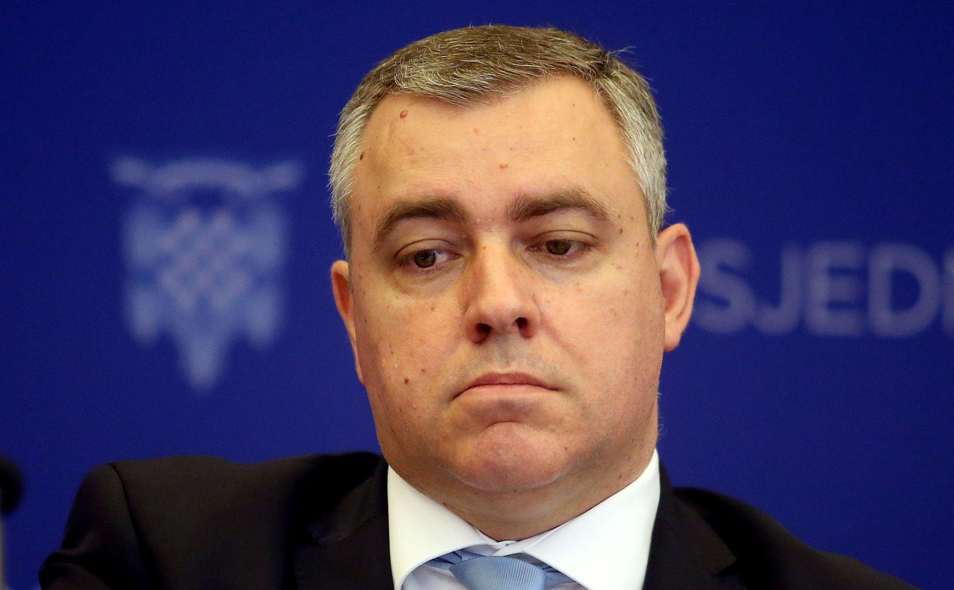 SOA prijetila likvidacijom smijenjenom Kolindinom savjetniku?