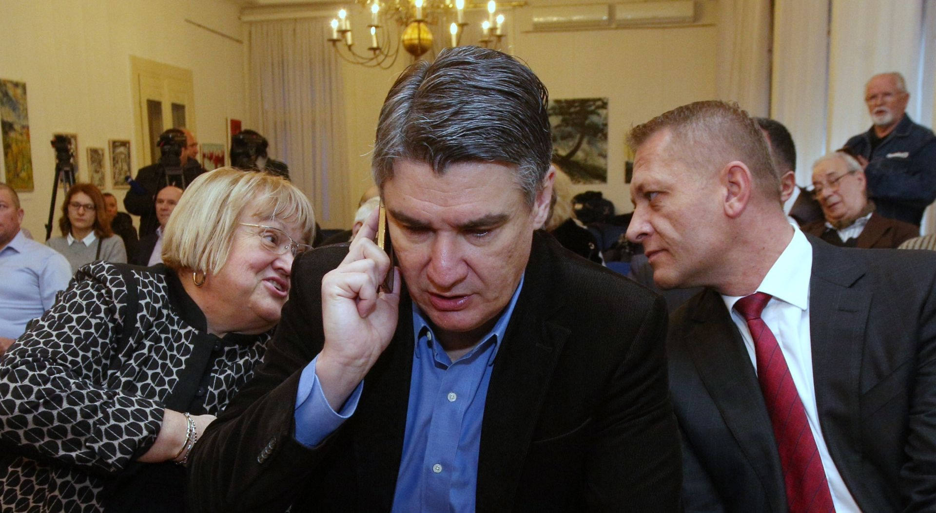 Bivši premijer Milanović sve popularniji