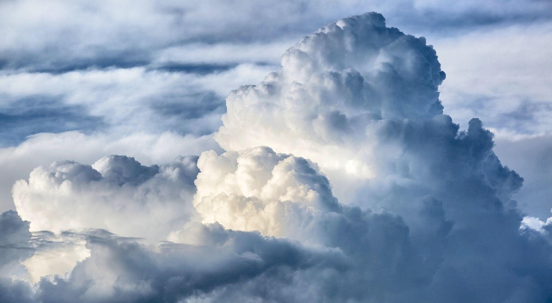 Pretežno oblačno uz povremene oborine