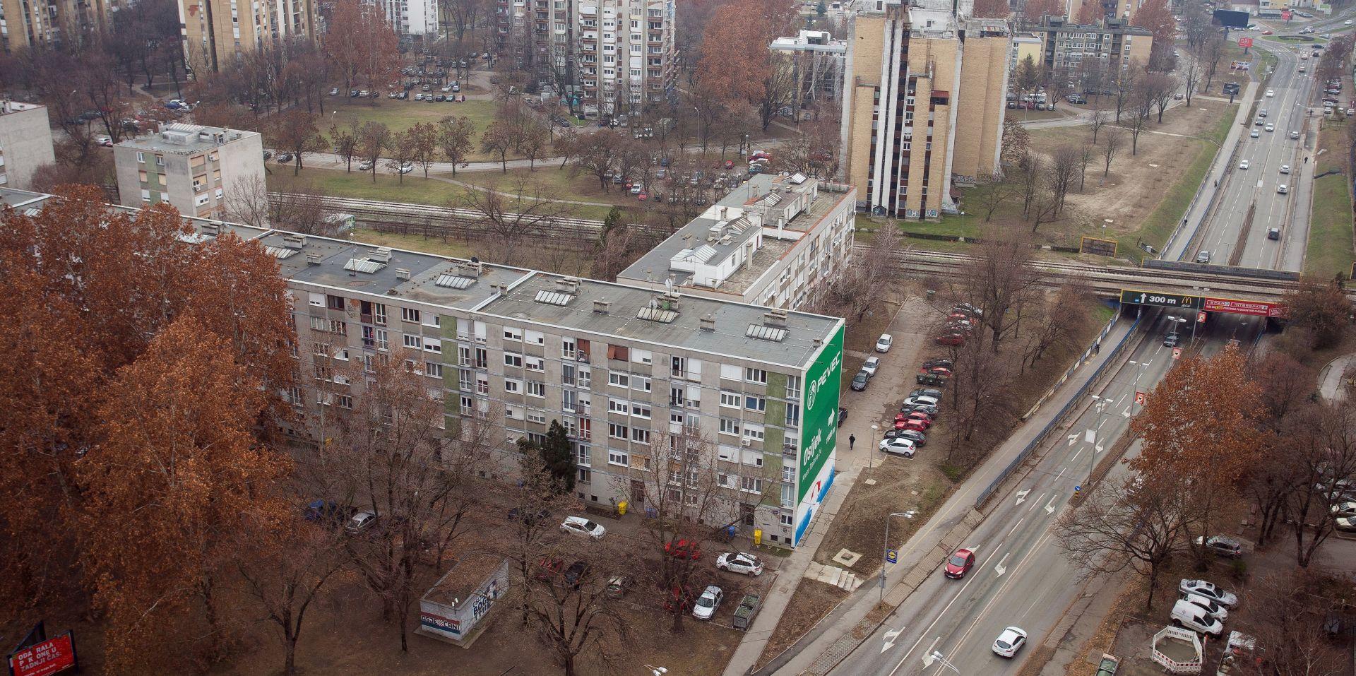 OSIJEK Dijete palo s četvrtog kata zgrade