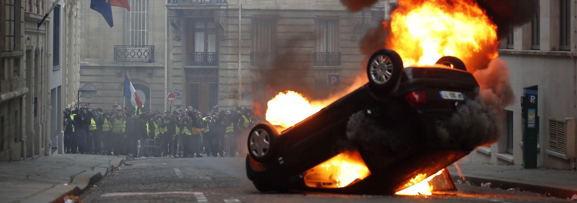Na području Pariza policija uhitila 1082 osoba