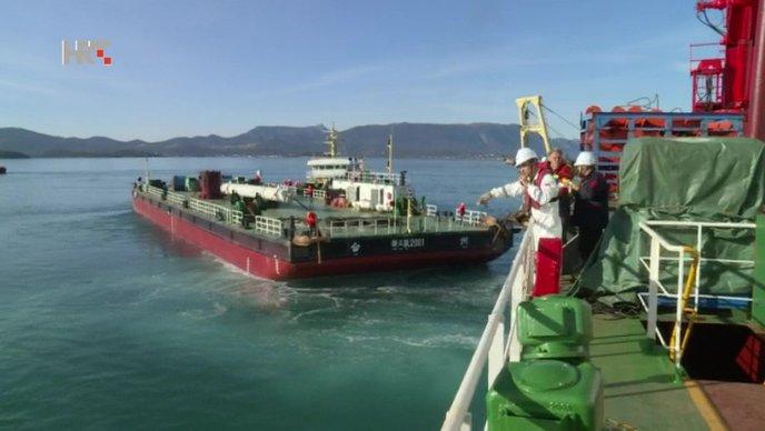 VIDEO Iskrcani plovni objekti za gradnju Pelješkog mosta
