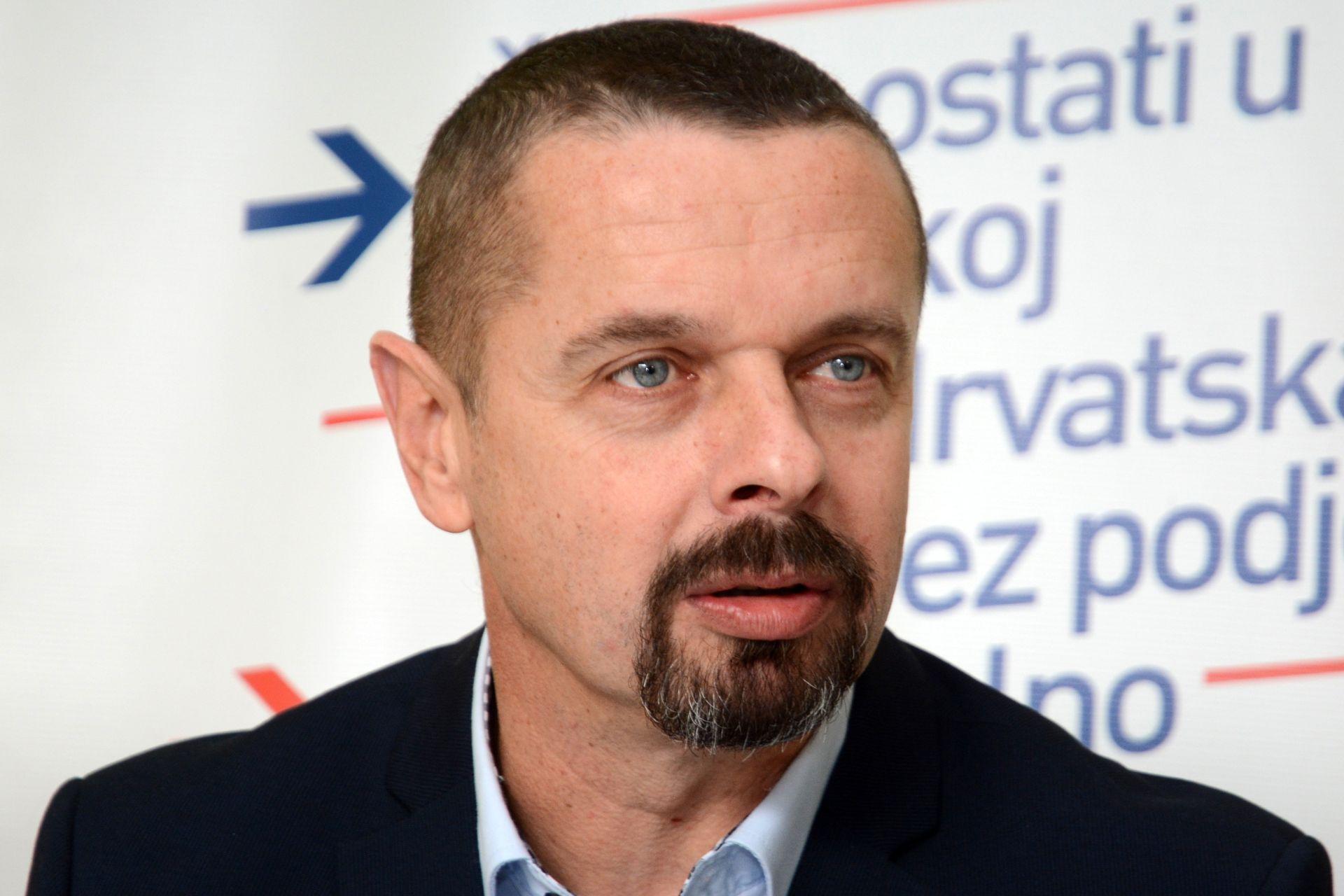 """SEKULIĆ IZ RAFINERIJE """"Već treći Božić nam ovako čestitaju"""""""