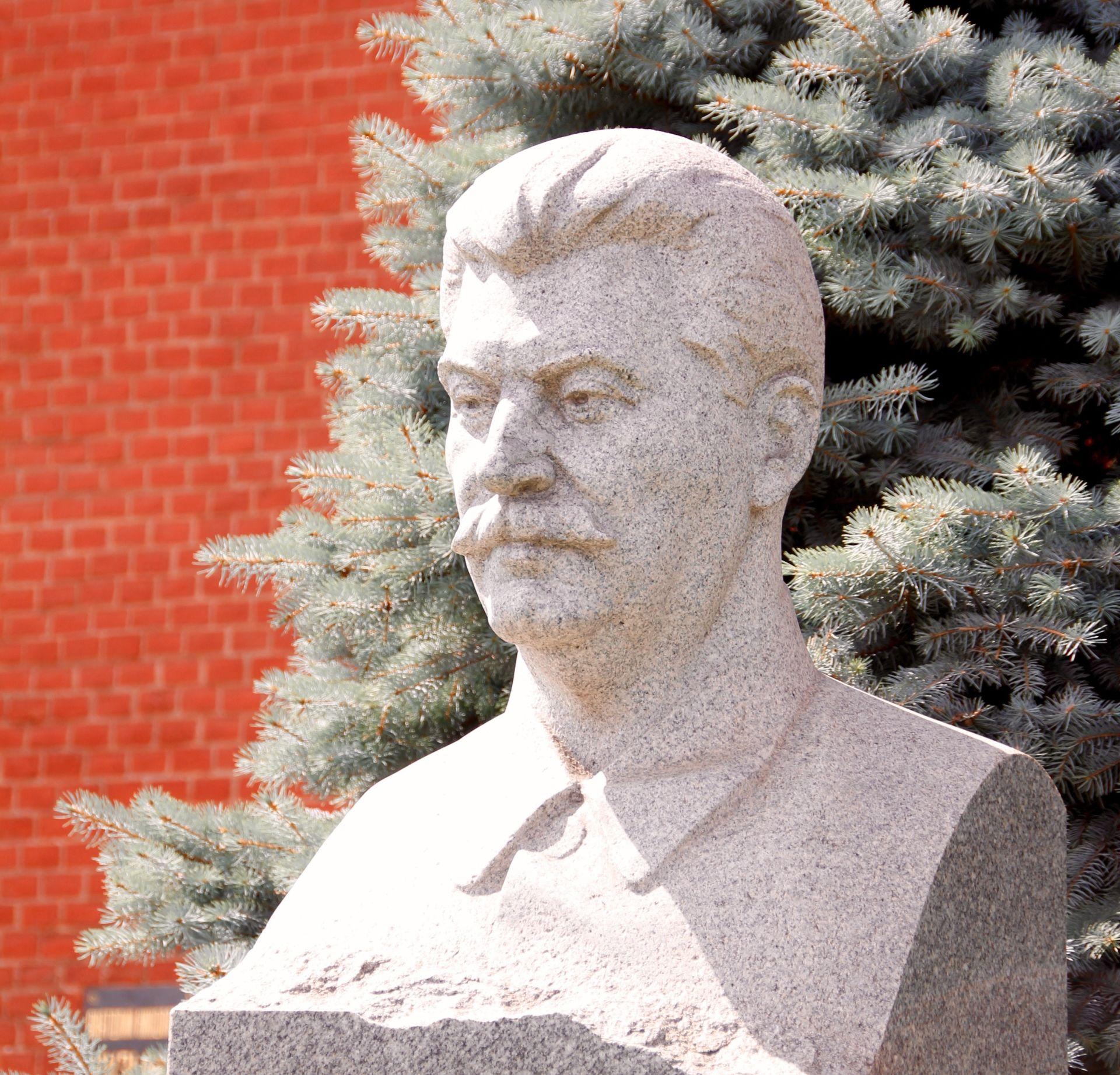 FELJTON 'Moj otac Staljin umirao je pet dana u najstrašnijim mukama'