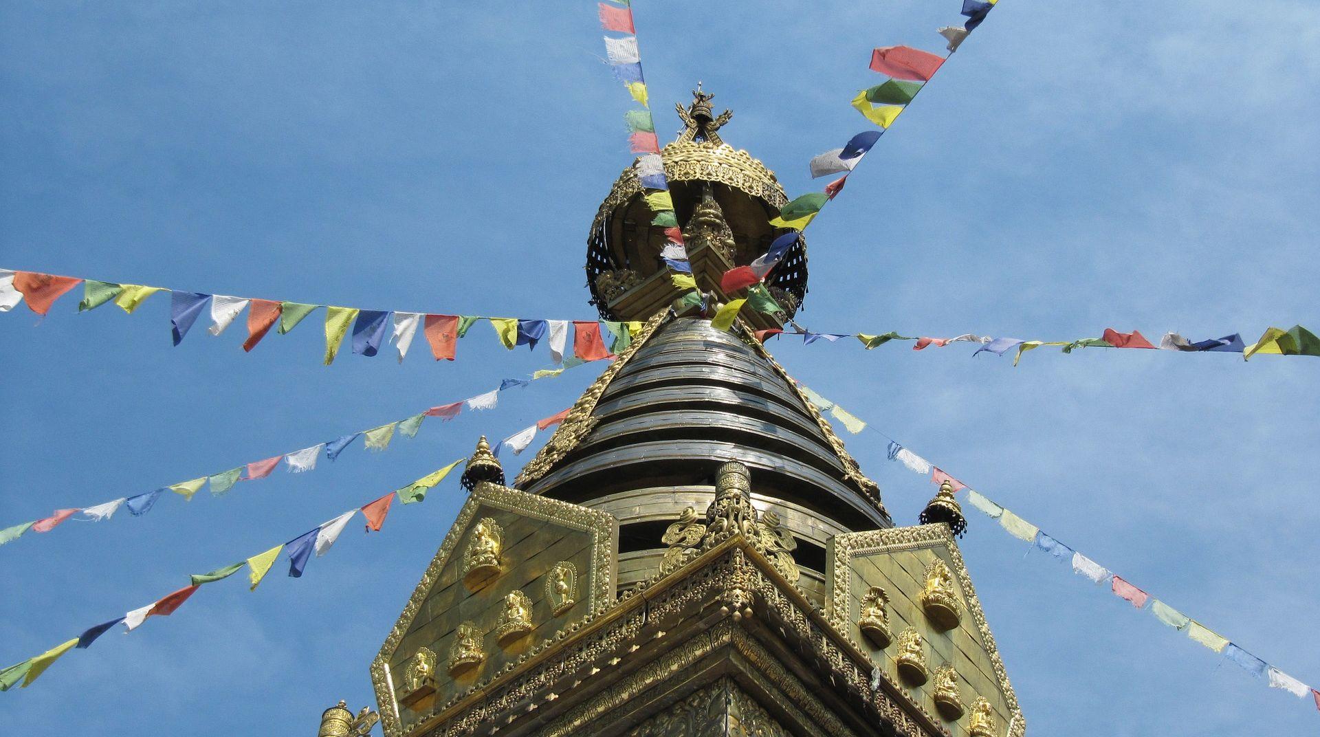 Tužan Božić u Indoneziji, na Tibetu slave samo starci