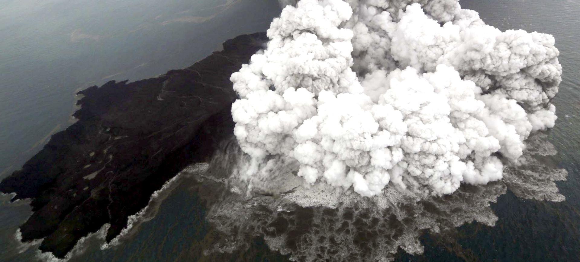 Broj poginulih u tsunamiju u Indoneziji porastao na 373