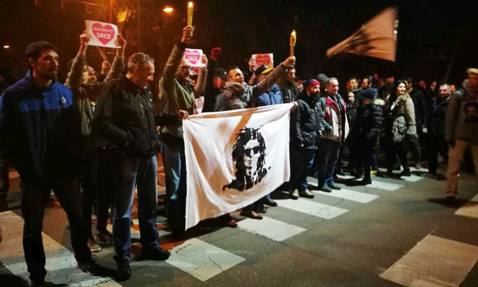 Oporba odbacuje optužbe da potiče prosvjede, Davora Dragičevića nigdje nema