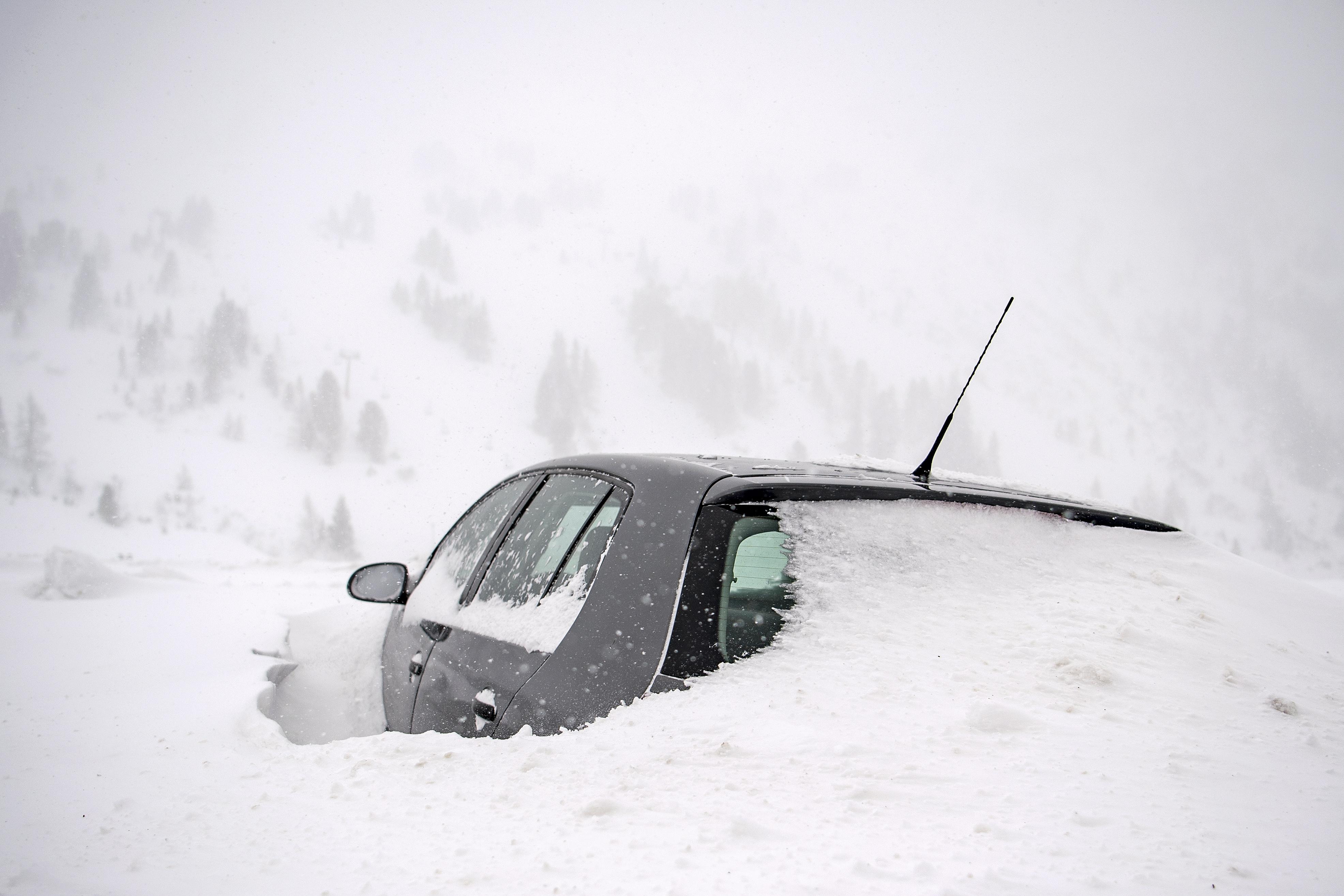 Trojica njemačkih skijaša poginula u austrijskoj lavini, četvrti nestao