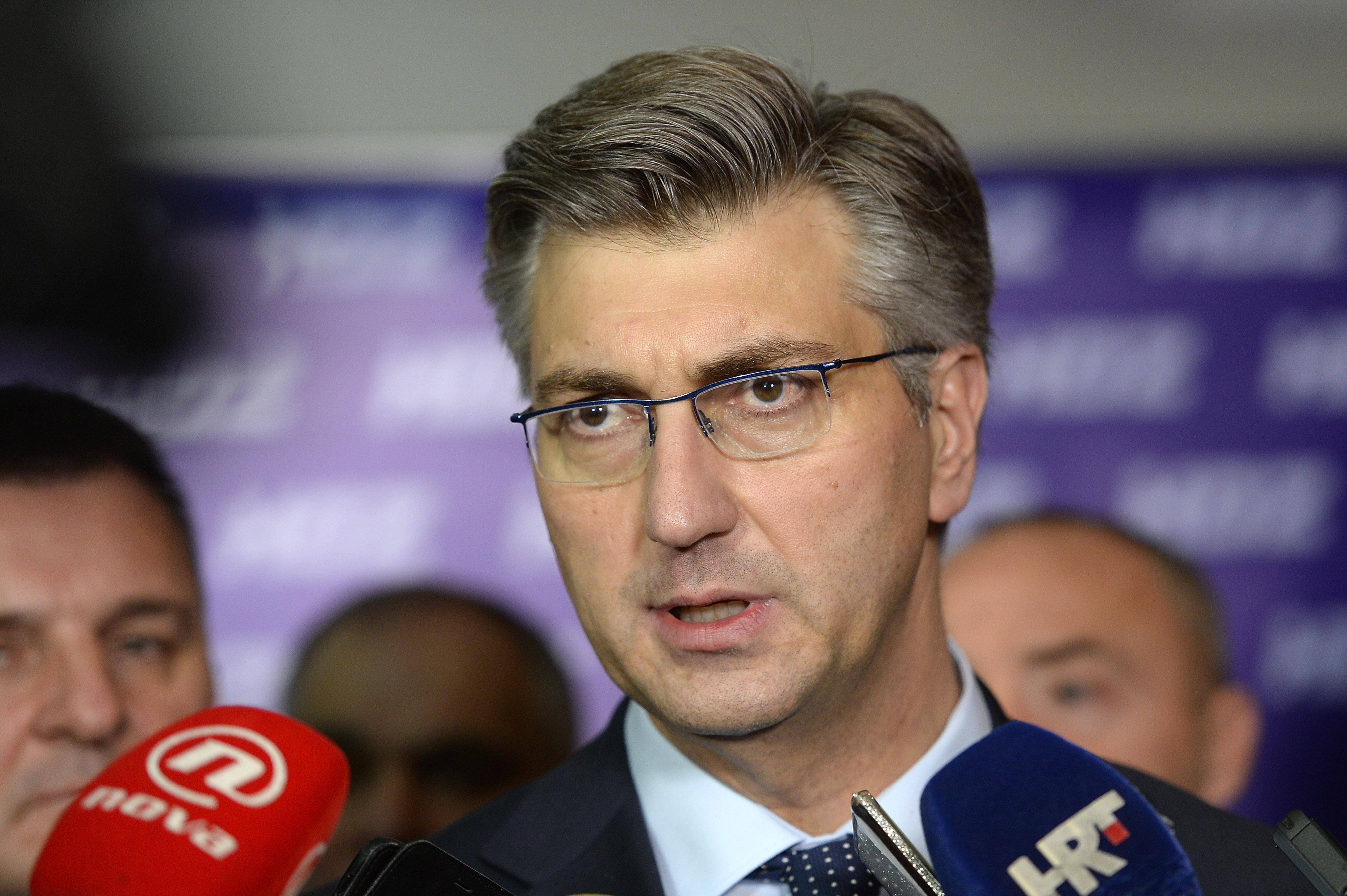 PLENKOVIĆ 'Vlada će u ponedjeljak poništiti natječaj za kupovinu borbenih aviona'
