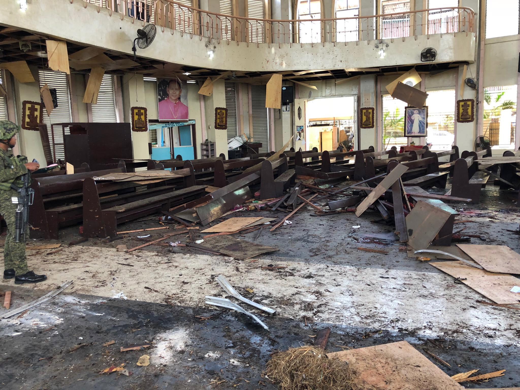 Filipini obećali da će uništiti teroriste nakon dvostrukog bombaškog napada