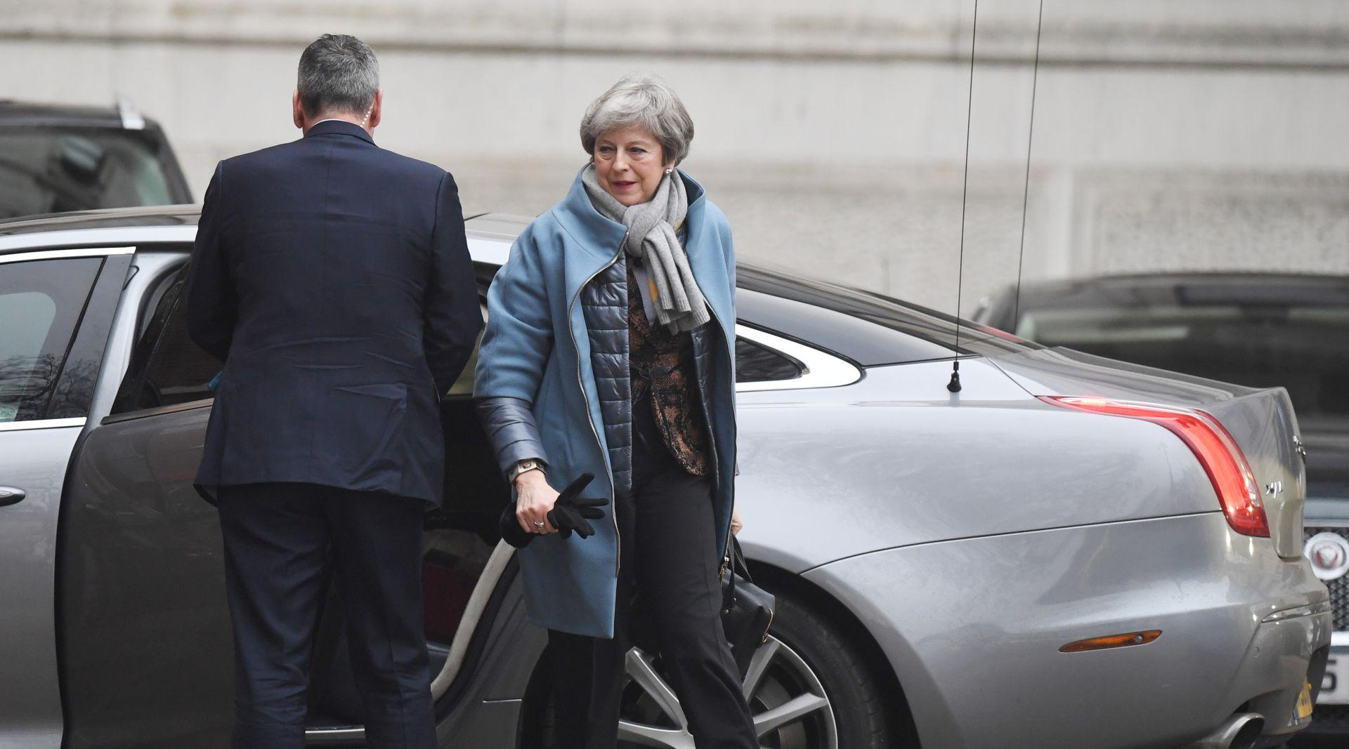 May će pokušati prekinuti zastoj oko Brexita tražeći ustupke EU-a