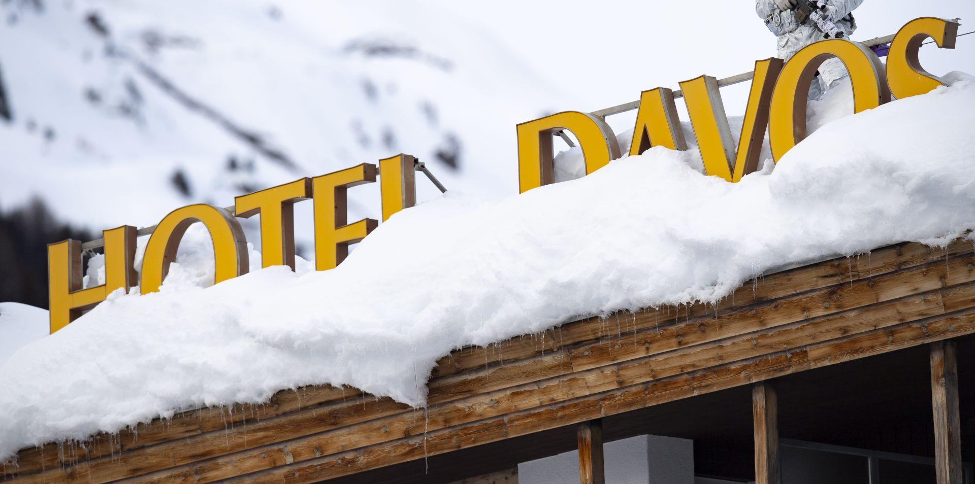 U Davosu se okuplja elita, u svjetskom gospodarstvu rastu rizici