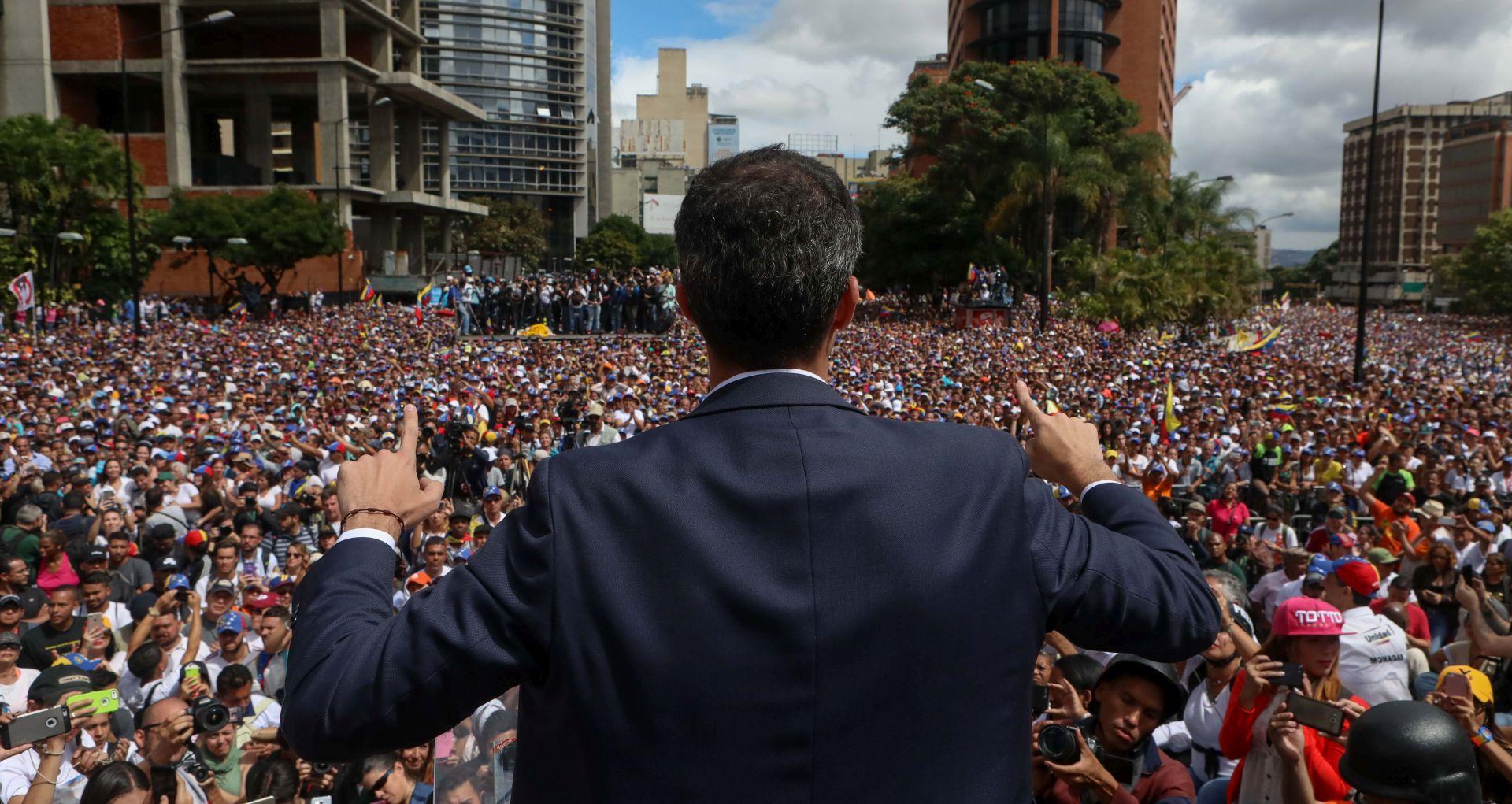 Većina latinoameričkih zemalja podržala oporbenog čelnika Guaida