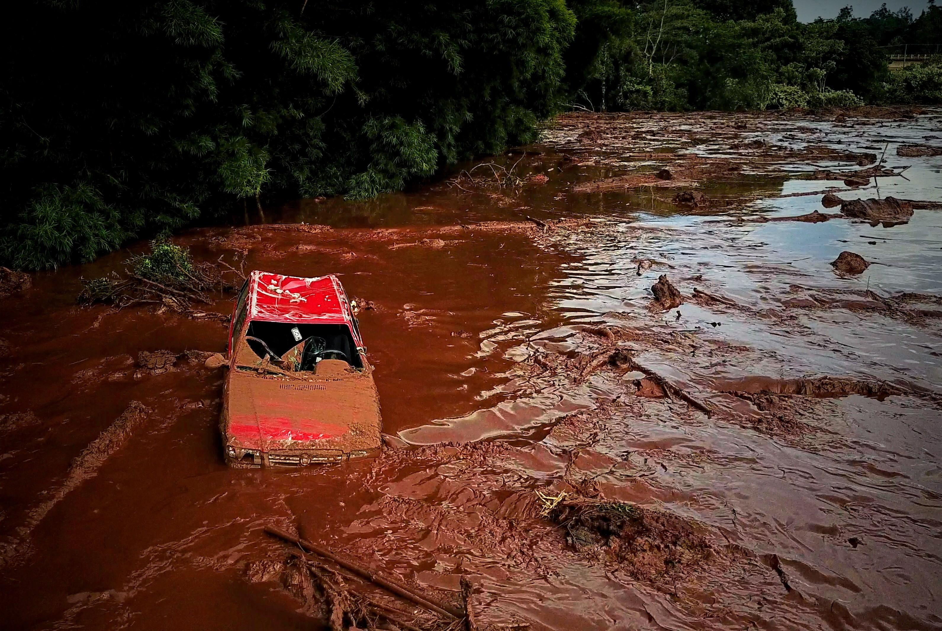 Nakon puknuća rudarske brane u Brazilu 9 mrtvih, 200 nestalih