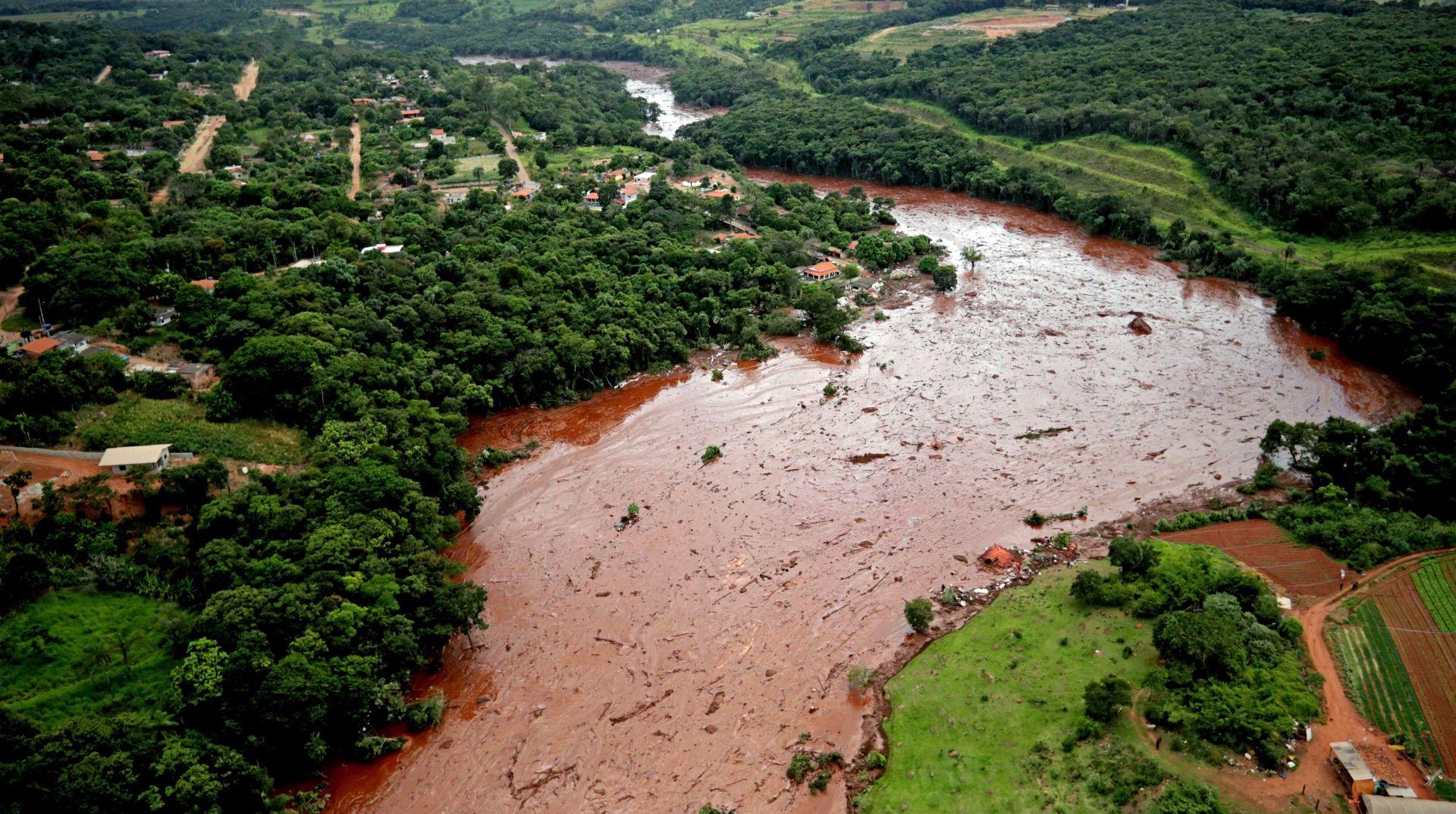 Broj mrtvih nakon puknuća brane u Brazilu popeo se na 65