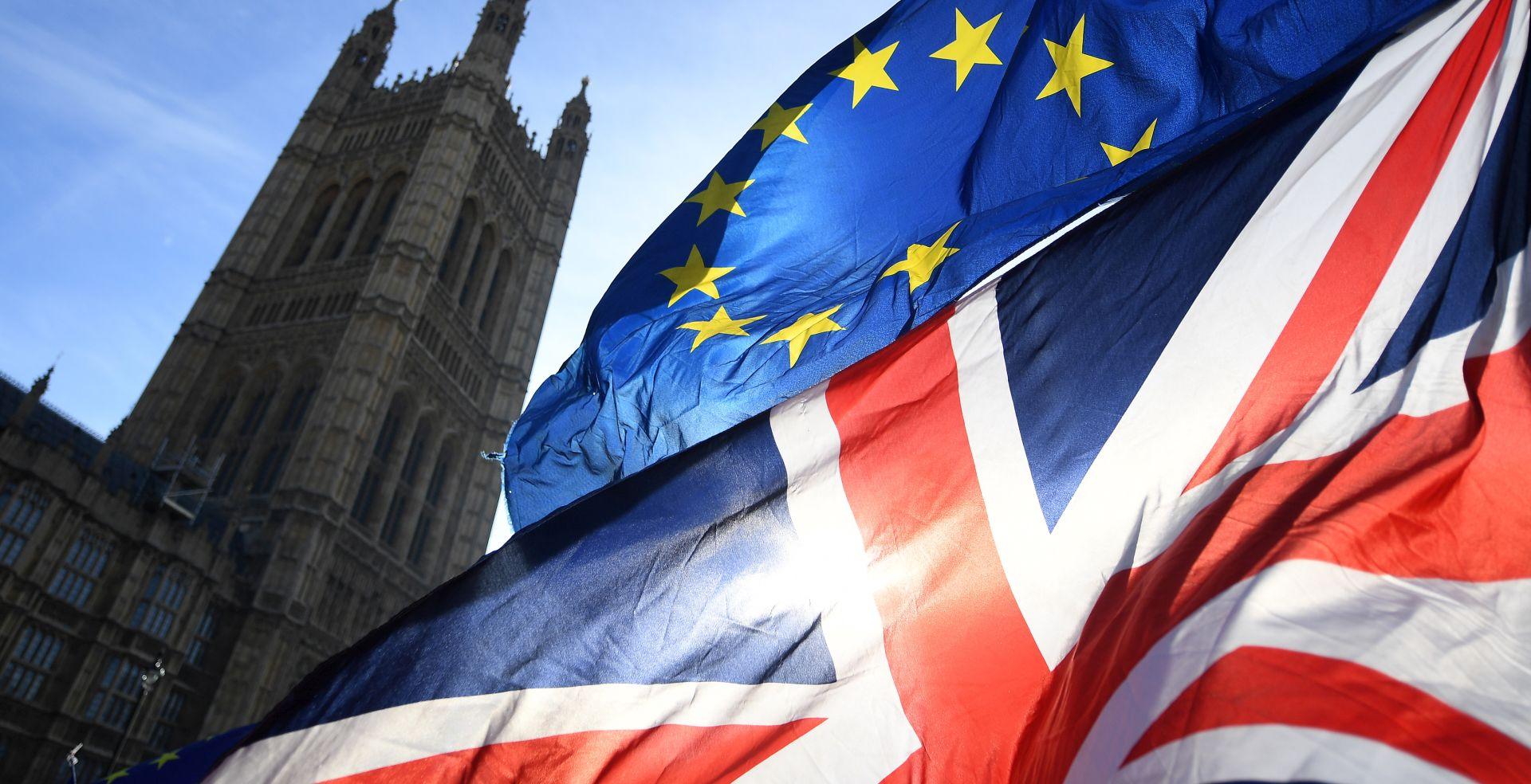 Britanija će kroz nekoliko dana formulirati prijedloge o granici s Irskom
