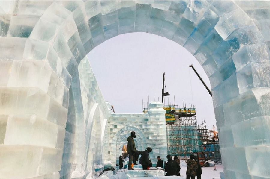 VIDEO: Harbin ponovo okupio umjetnike koji stvaraju ledena remek-djela