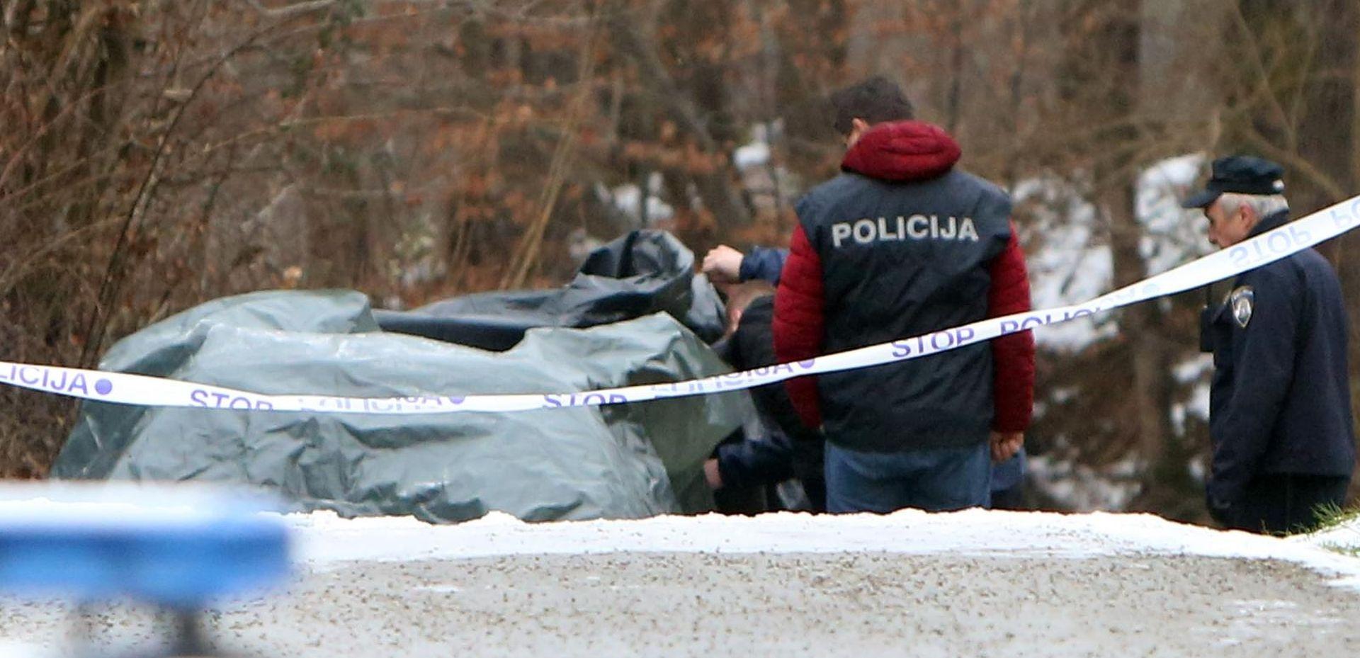 STRAVA KOD KARLOVCA Čovjek izgorio u automobilu