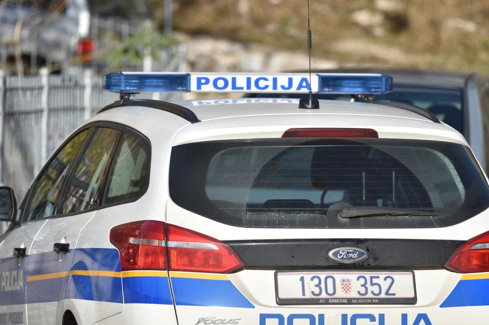 Taksi u Rijeci udario dvije žene na pločniku, jedna u životnoj opasnosti