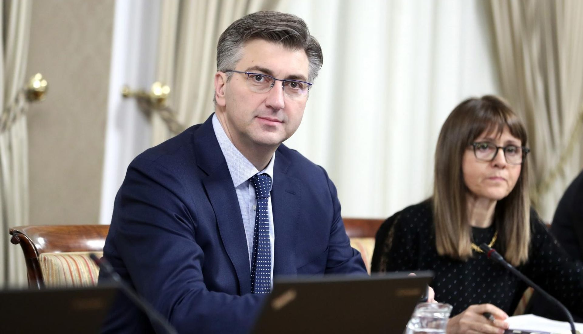 """PLENKOVIĆ O NABAVI AVIONA """"Vlada može i poništiti odluku"""""""