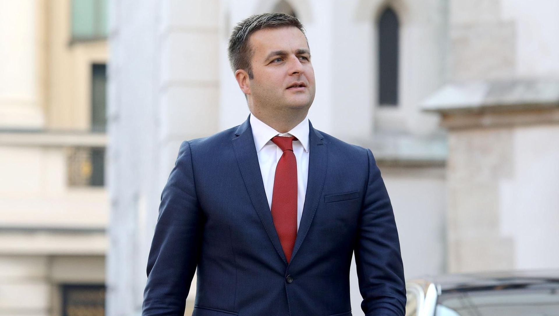 Sporni zakon daje ovlasti Ćoriću da Inu preda Mađarima