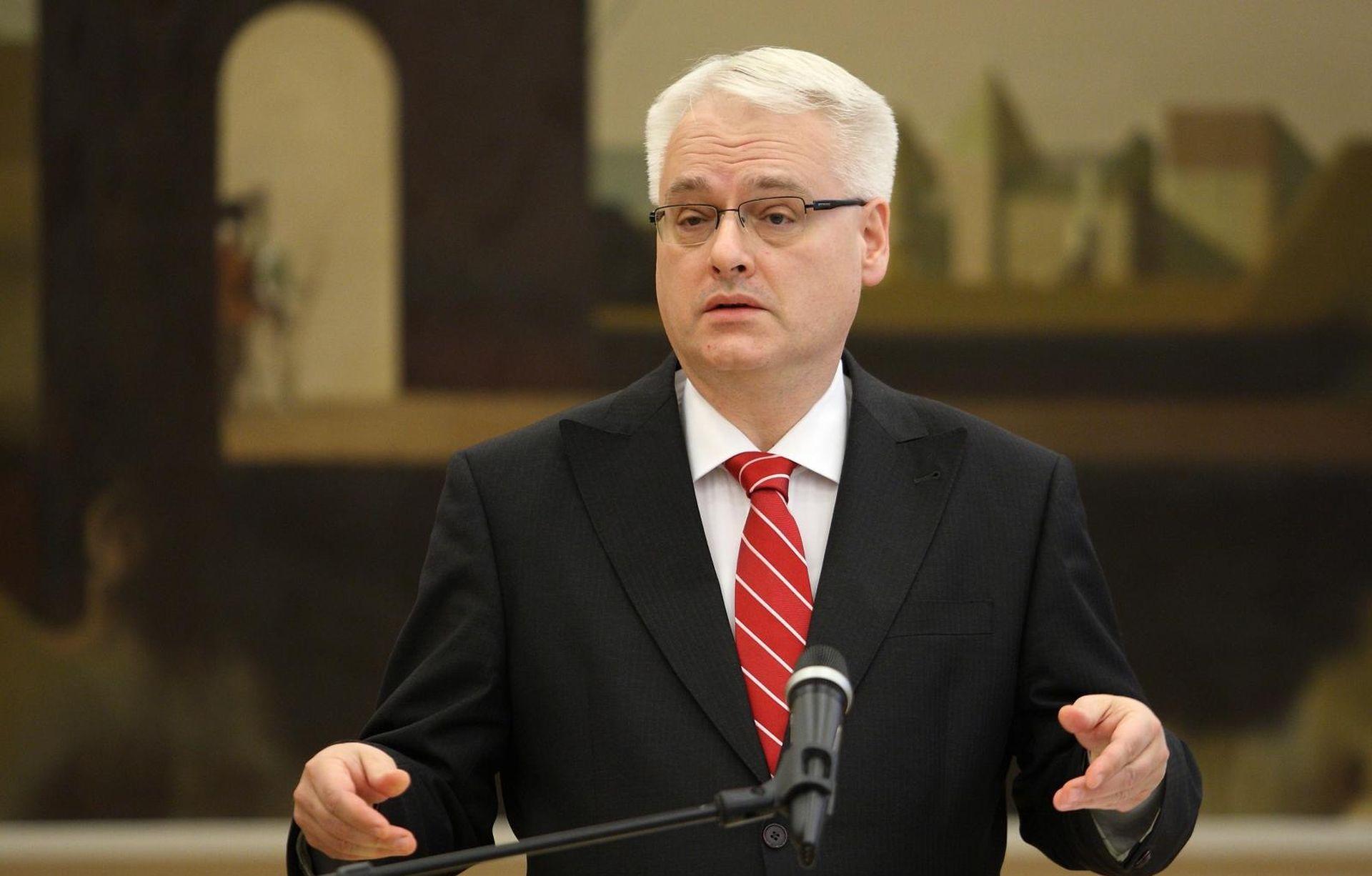 Dvorske spletke Josipovićeve svite