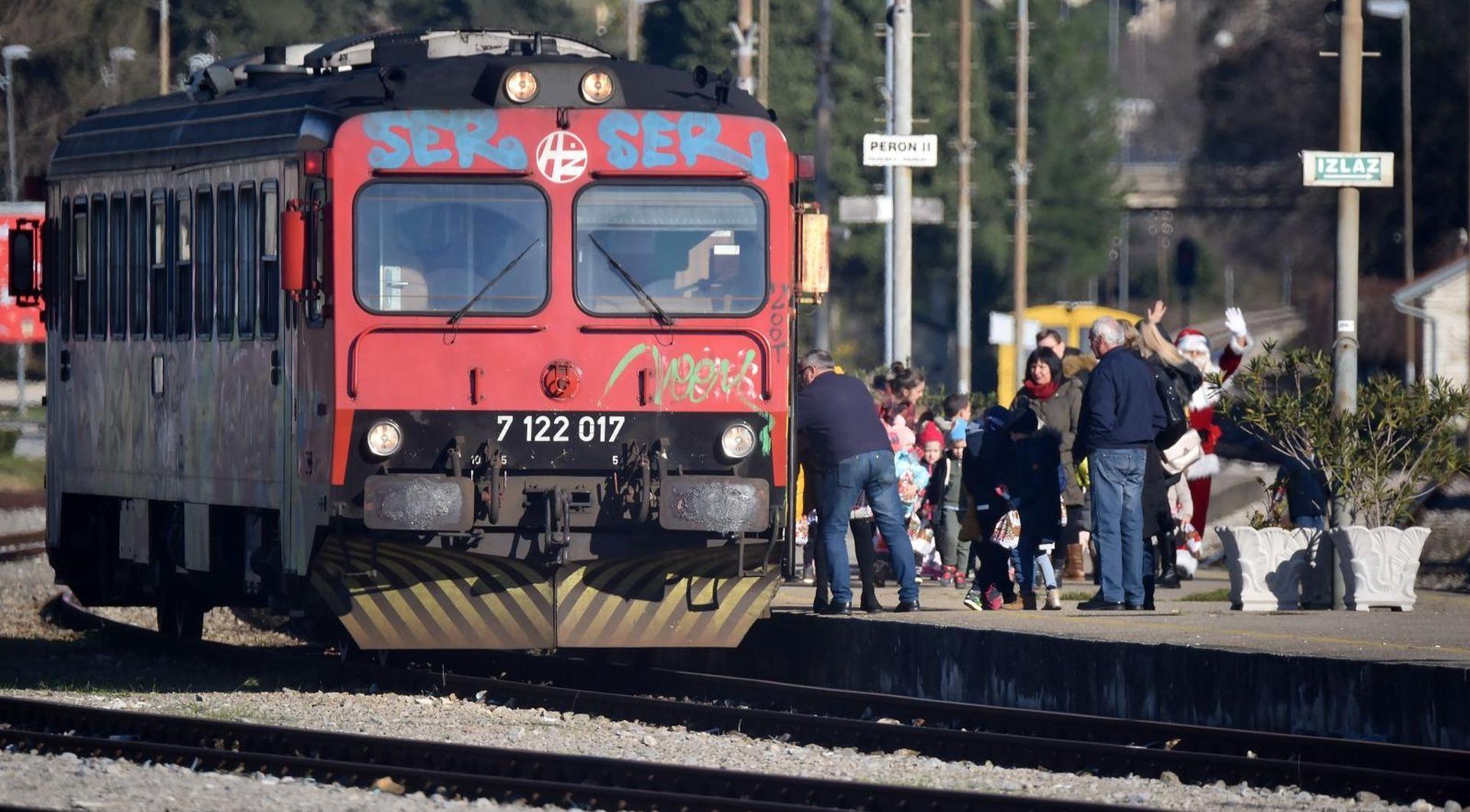 Vlakovi su nam sve sporiji, infrastruktura za western filmove