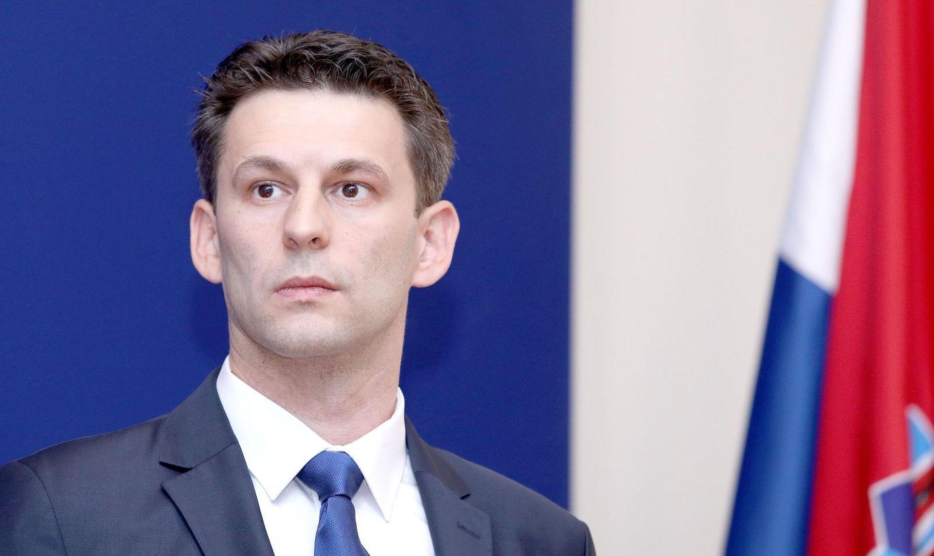 """PETROV """"Bandićev Klub djeluje kao off shore kompanija za potrebe premijera"""""""