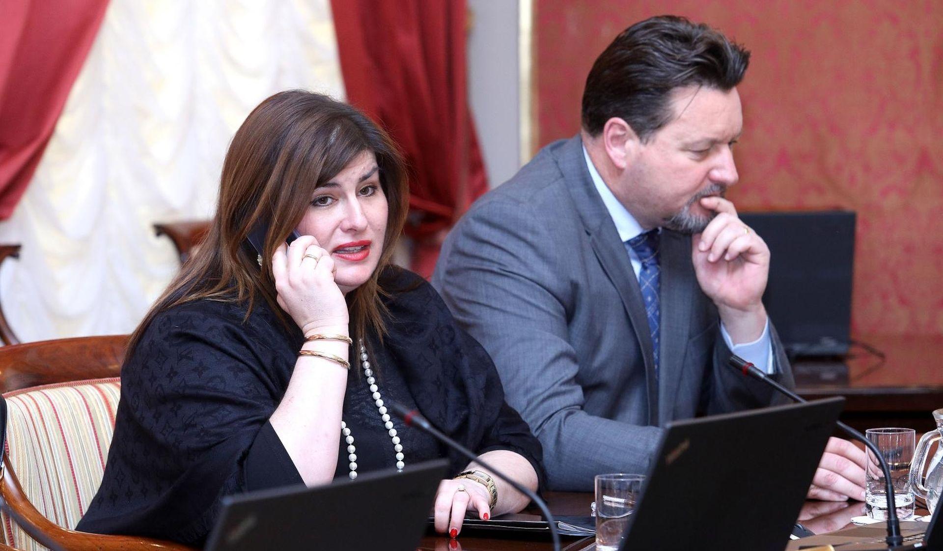 """REAKCIJE NA PENAVU """"Trebao bi se baviti Vukovarom, ne državnom politikom"""""""