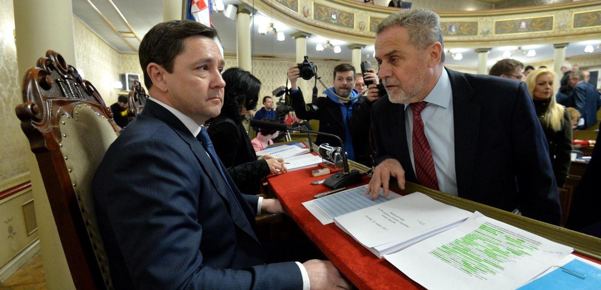 NOVOGODIŠNJI PRIJEM Bandić i Mikulić s novinarima
