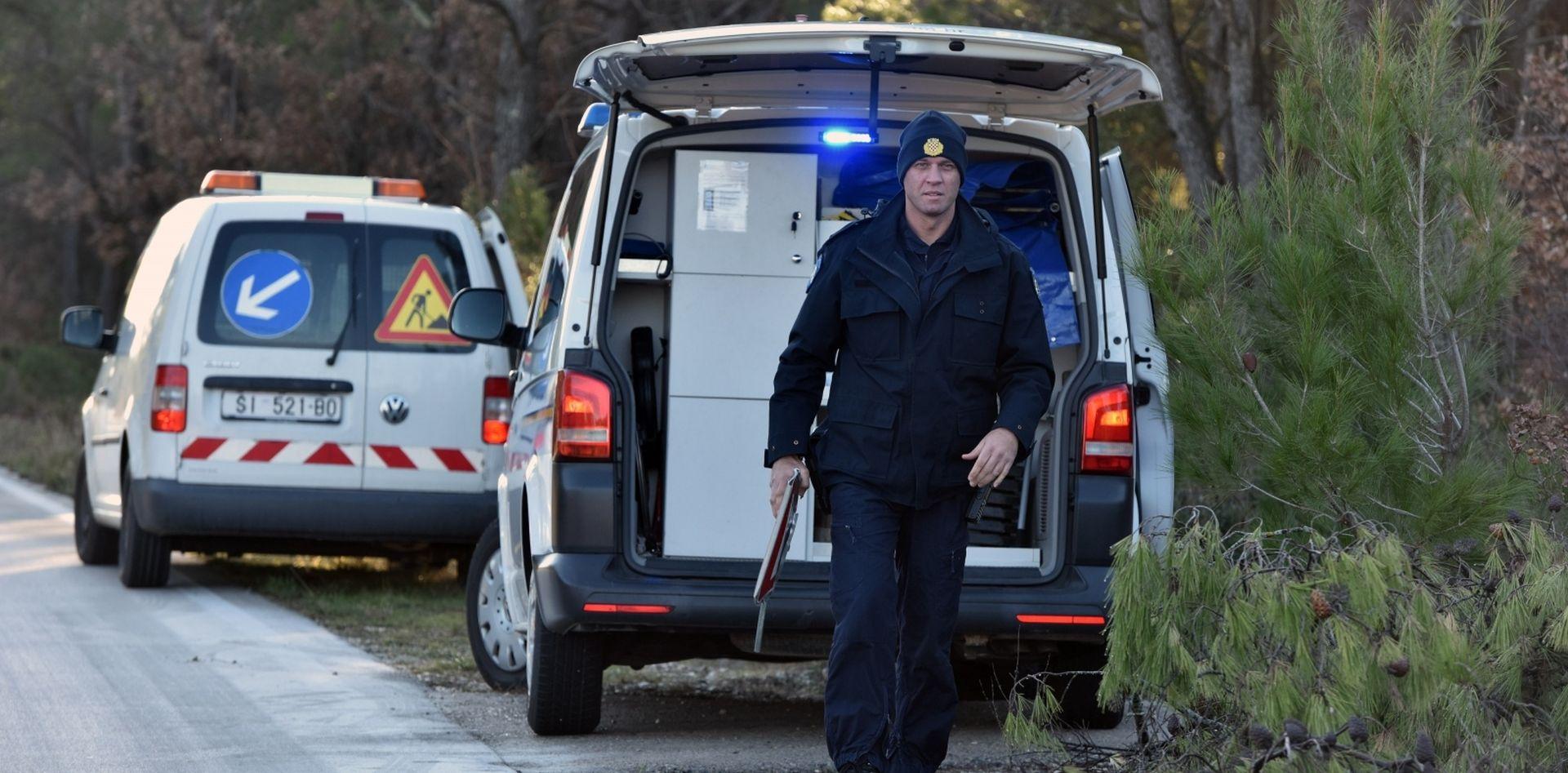 POLICIJA TRAŽI POMOĆ Autom udario staricu i pobjegao