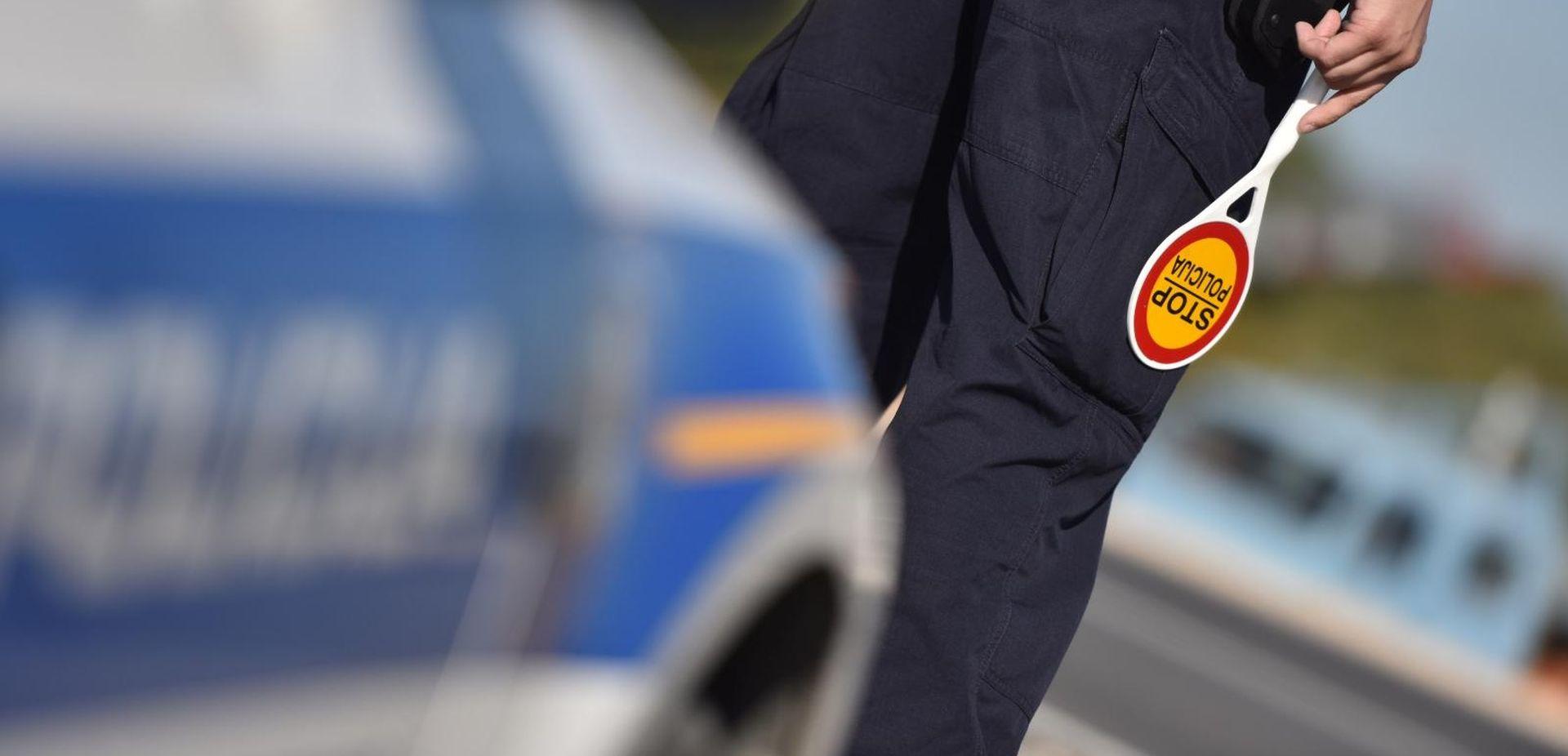 Autom sletjeli u kanal – jedna osoba poginula, druga ozlijeđena