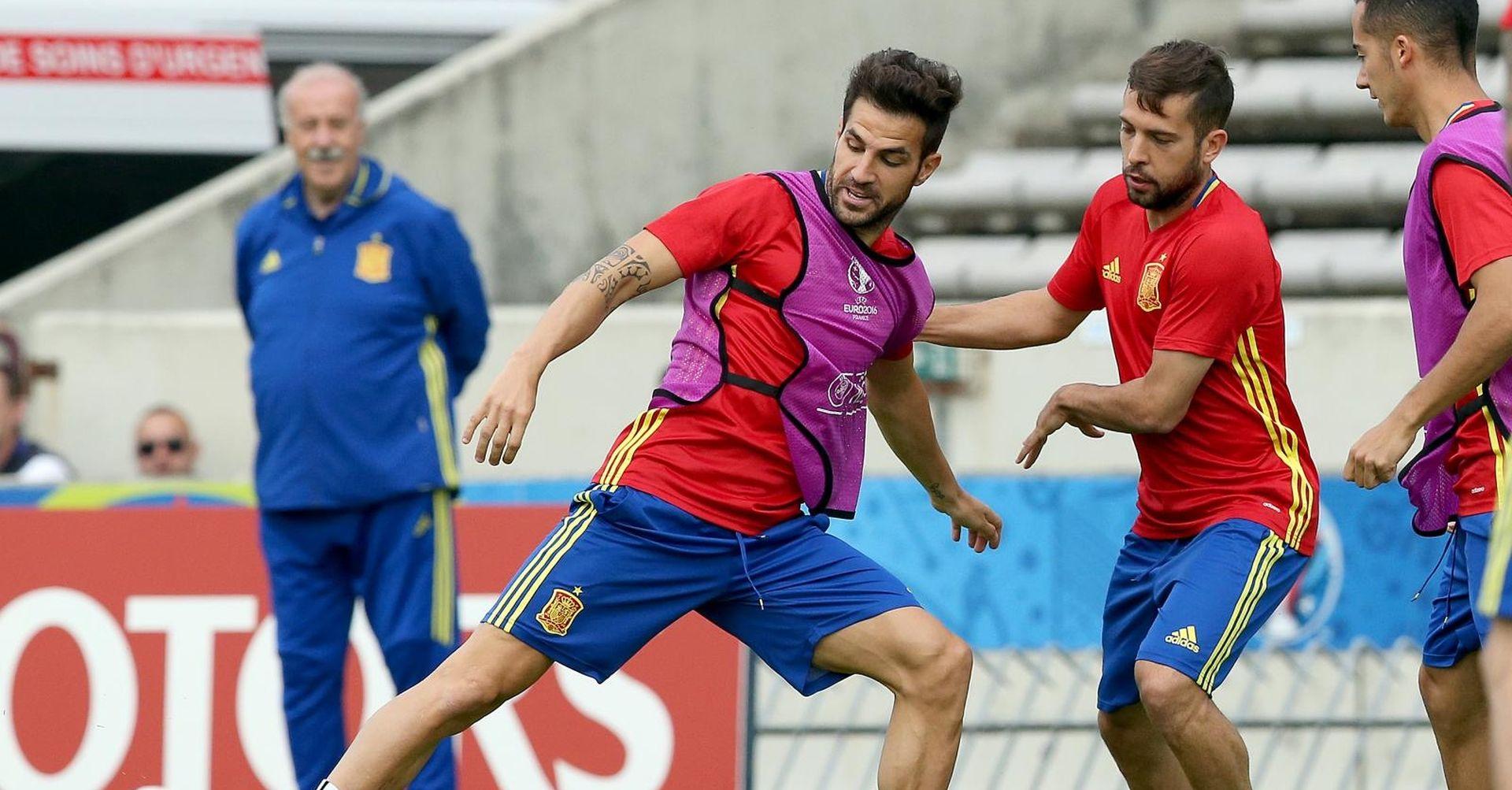Fabregas se uz ovacije i suze oprostio od Stamford Bridgea