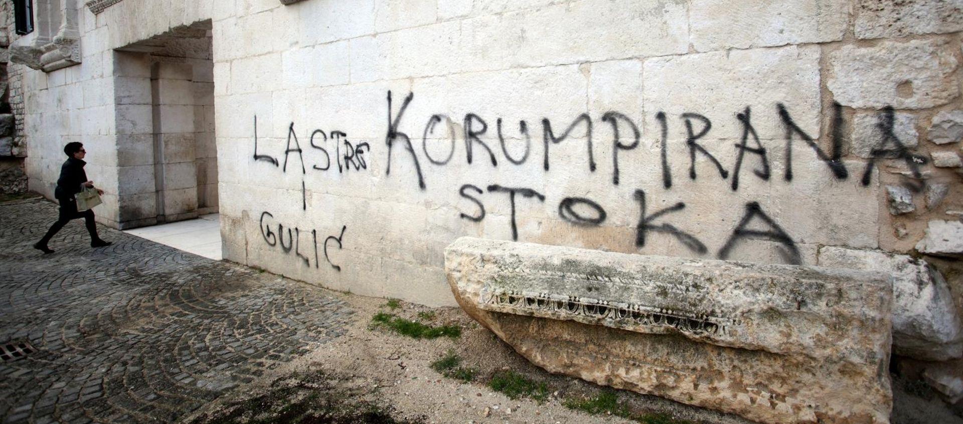 Policija uhitila muškarca koji je išarao Dioklecijanovu palaču