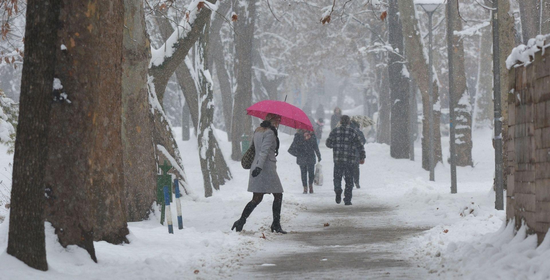 Oblačno i hladno, moguć slab snijeg