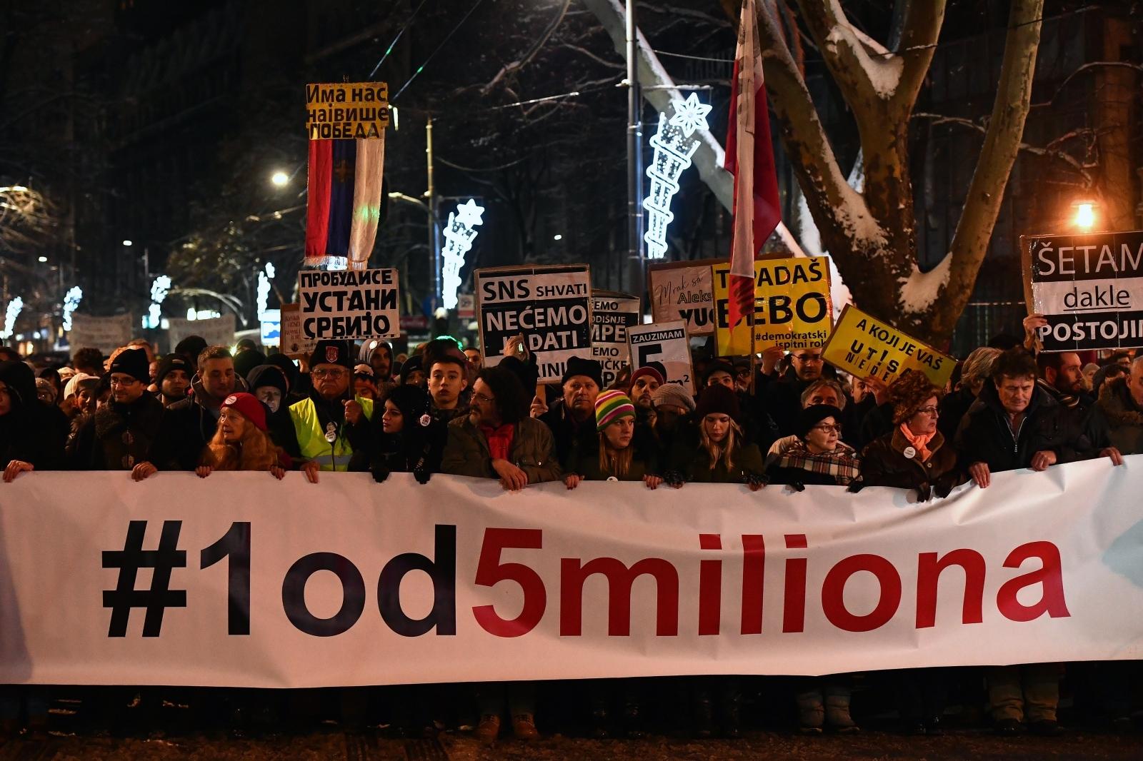 U nastavku prosvjeda u Srbiji sve glasniji zahtjevi Vučiću da se povuče