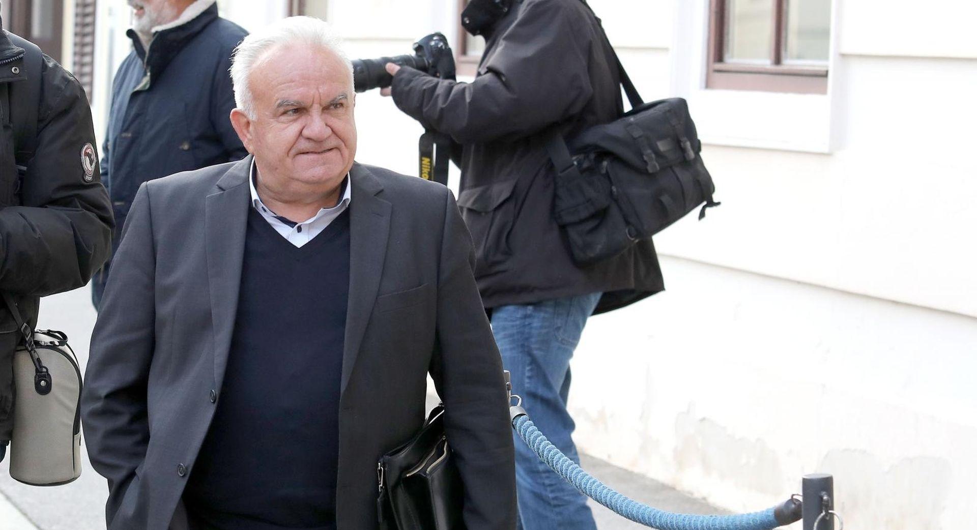 Čačić objavio odluku o napuštanju Kluba Milana Bandića