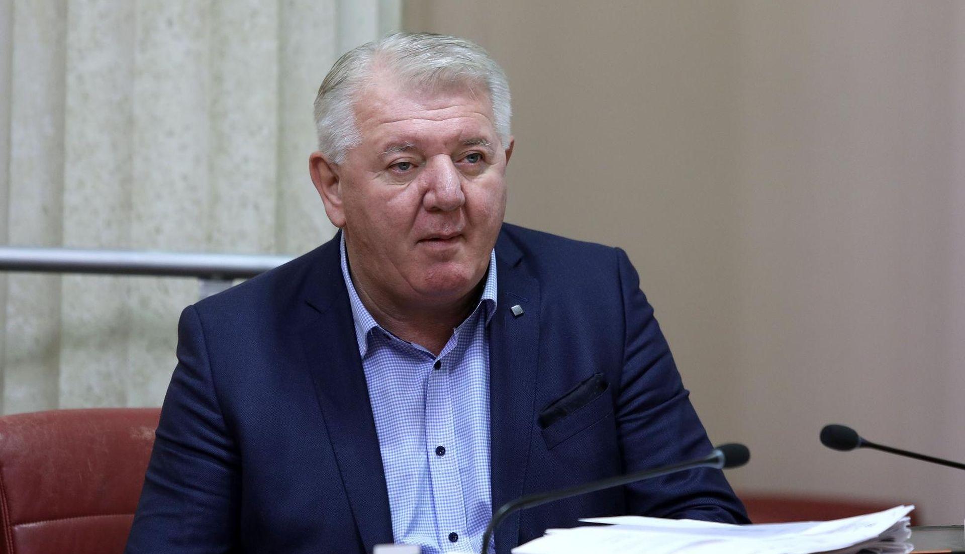 'ČESTITKA' Đakićev sin objavio sliku ustaše s odrubljenom glavom Srbina