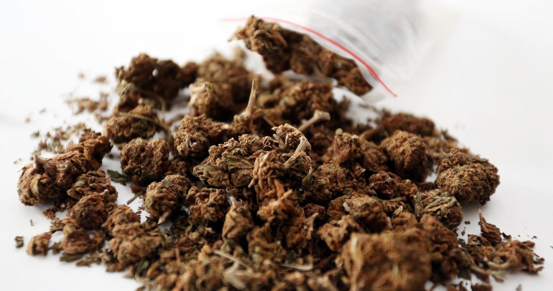 Zaustavljen sa šest kila marihuane, kod kuće imao još 4,5