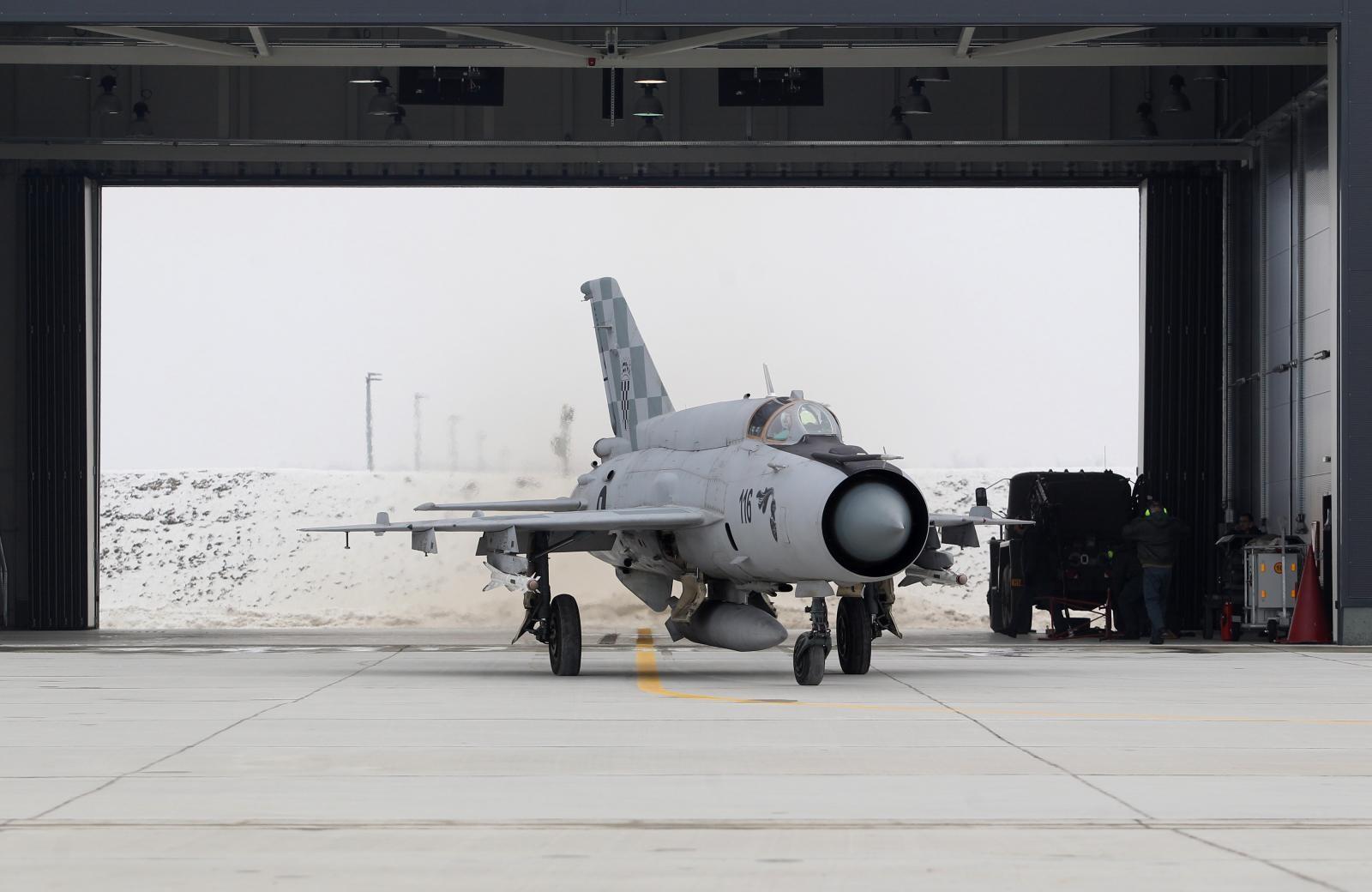 POSLJEDICE GODIŠNJEG PLANA ZA NATO  Hrvatska se 2006. mora riješiti svih MIG-ova