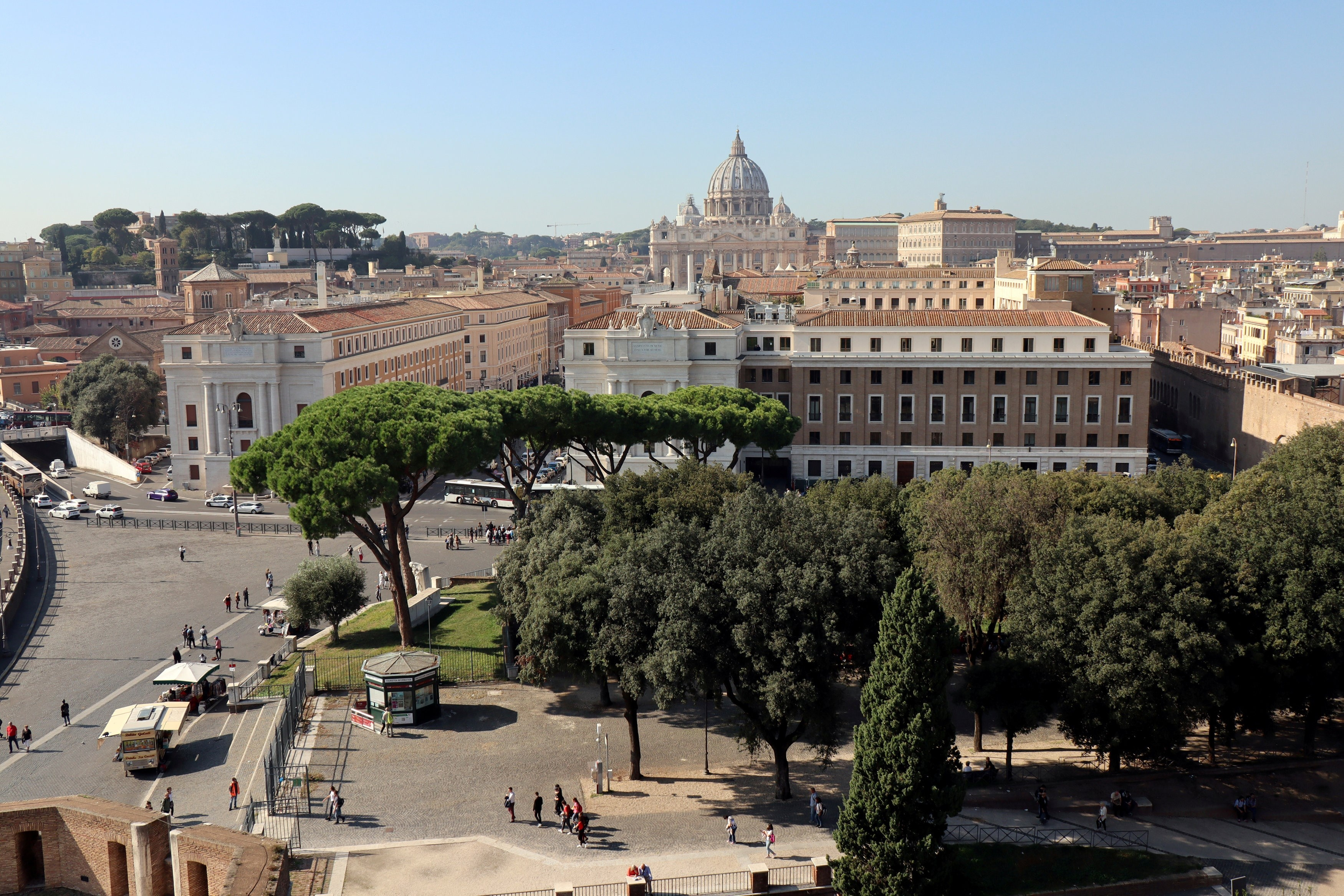ATHLETICA VATICANA Prvi službeni sportski tim Vatikana