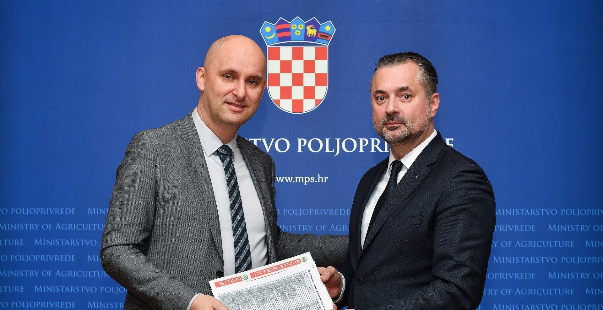 Tomislavu Tolušiću predan popis SPAR proizvoda