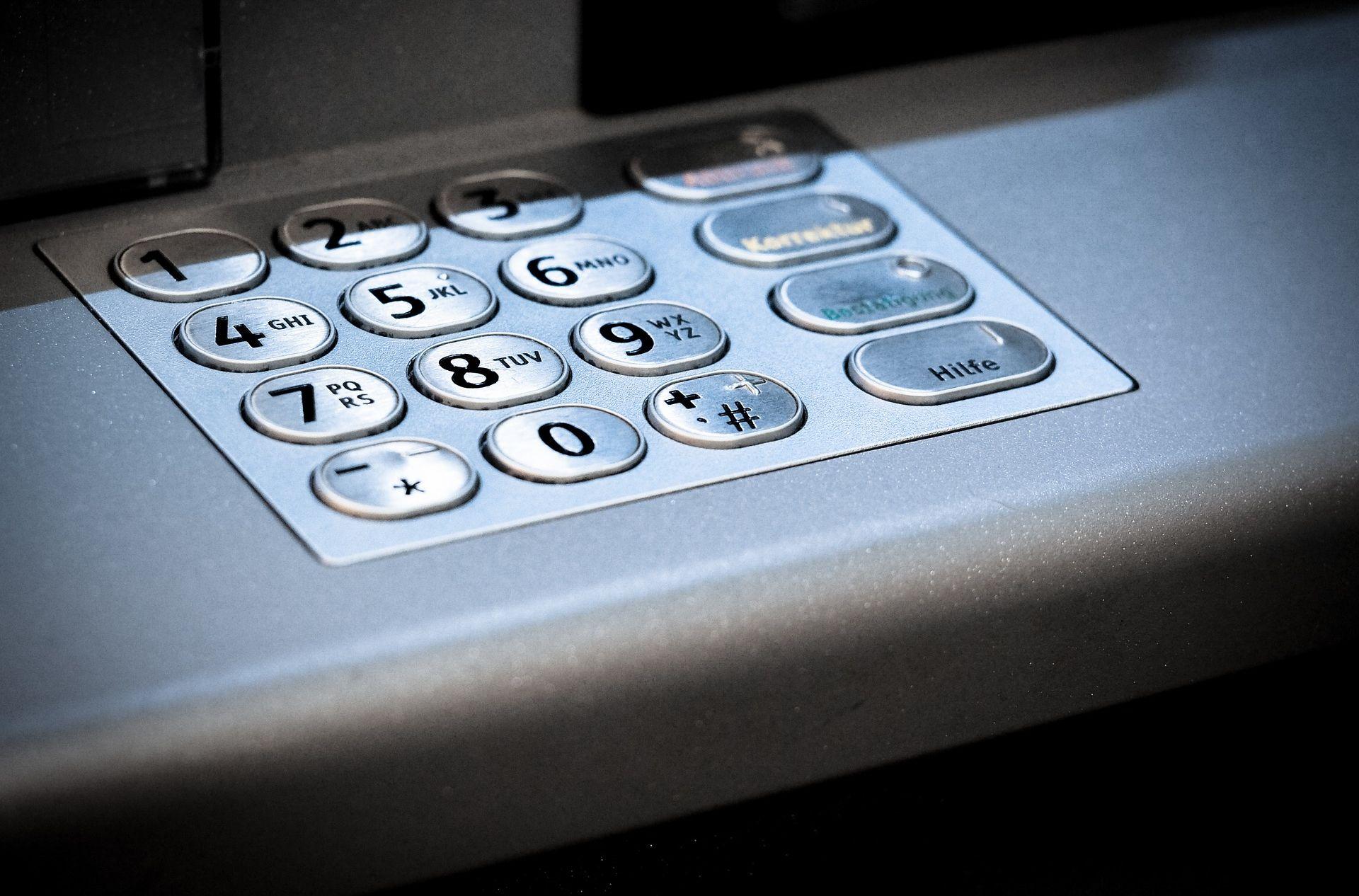 Zaštitar u Zagrebu ukrao gotovo milijun kuna iz bankomata