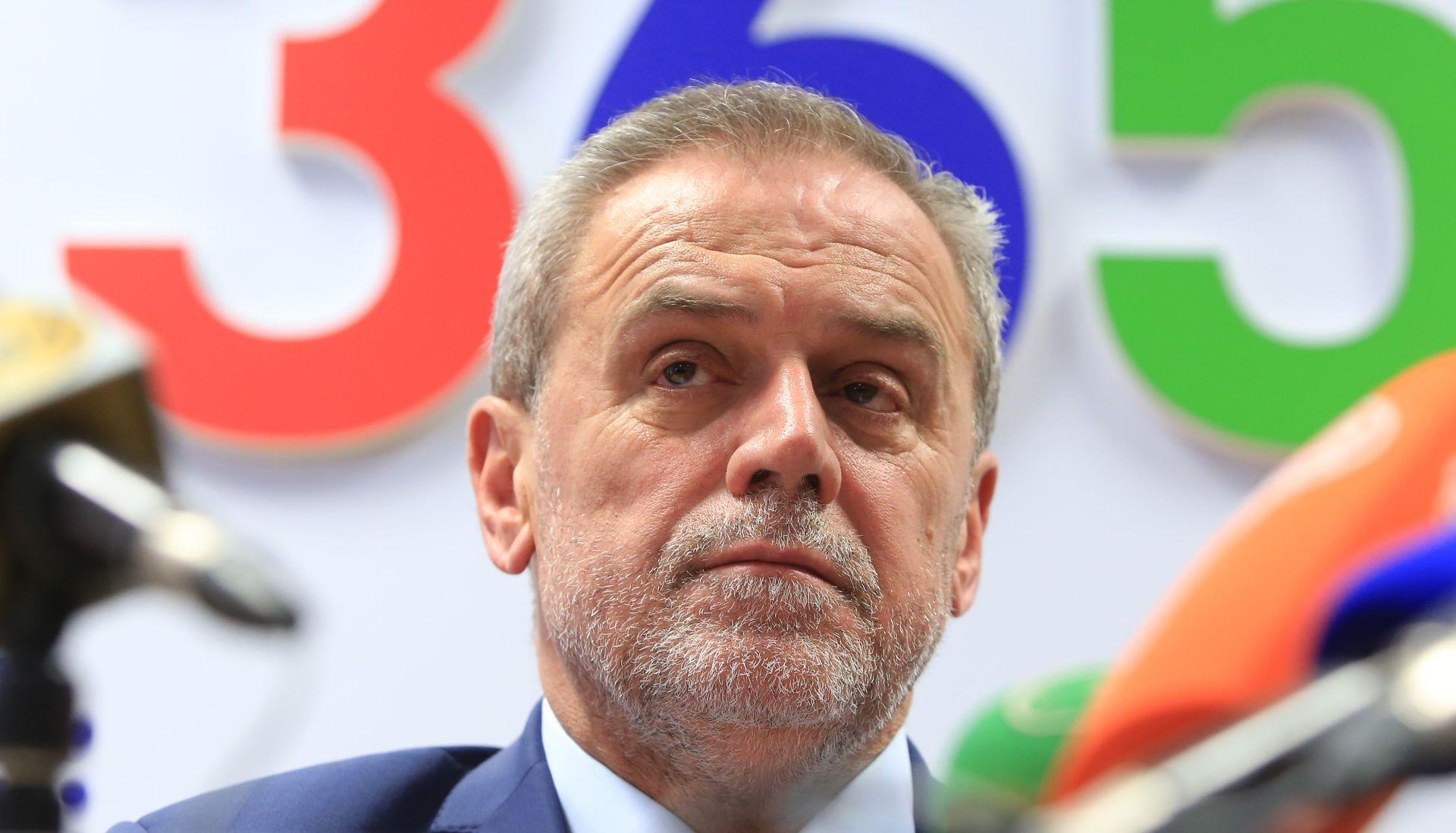 Nije prošao prijedlog za osudu Bandićevih izjava novinarkama