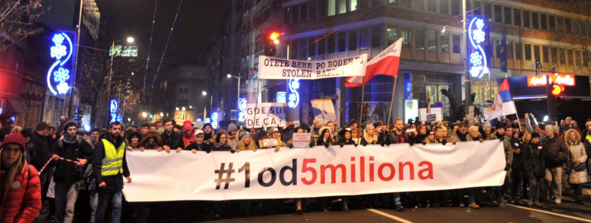 """""""Vučiću, pozivamo te da abdiciraš, kralju svega što ti pada na pamet"""""""