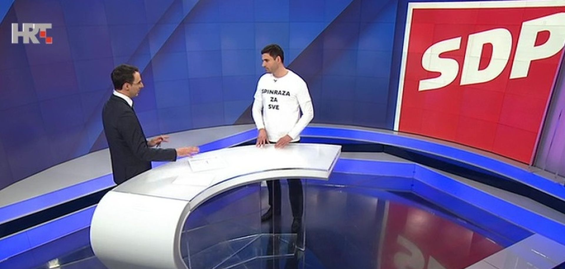 Bernardić na HTV-u u majici Spinraza, nije uspio pričati o njoj